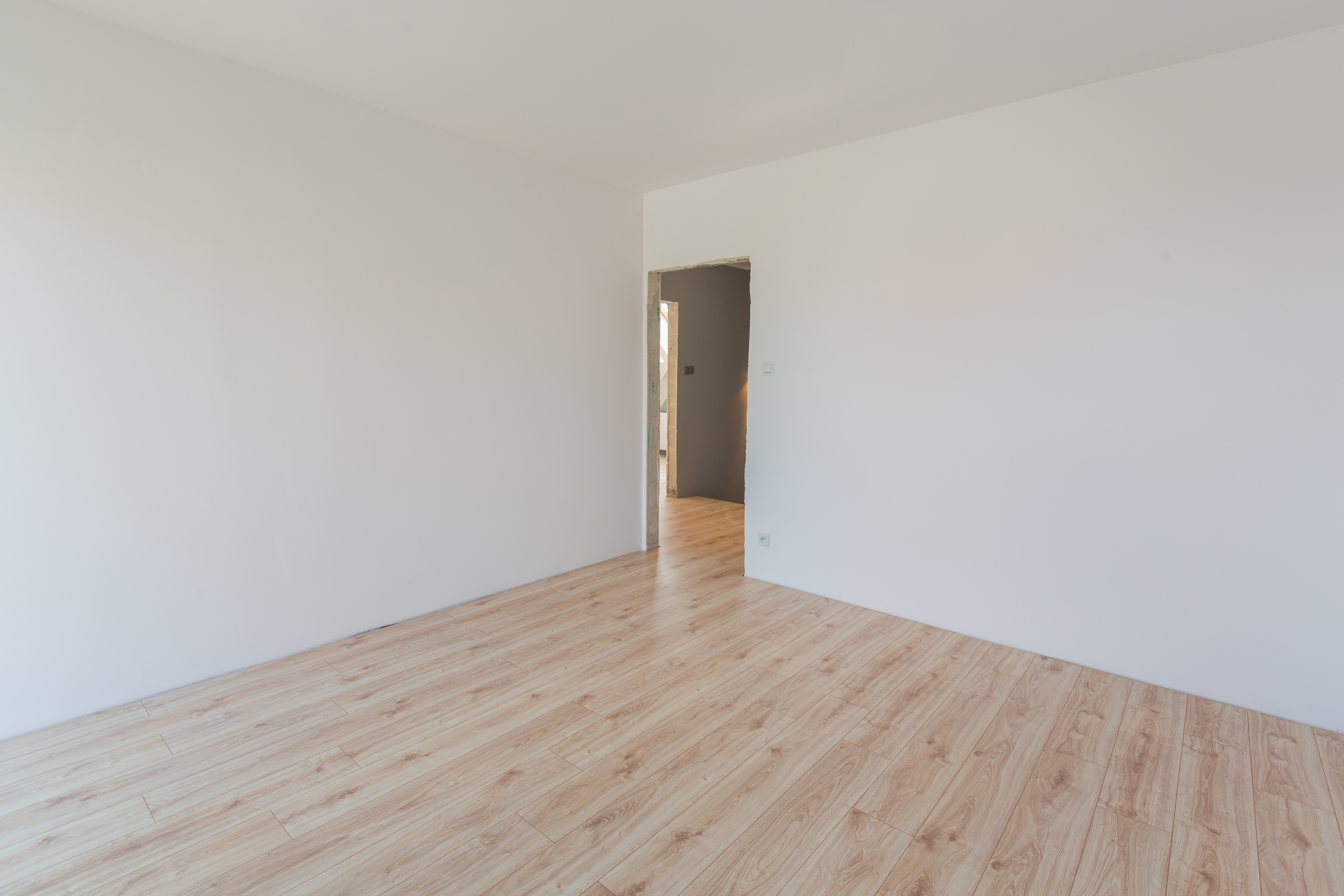 How to Install Laminated Flooring Transition Molding | Home Guides