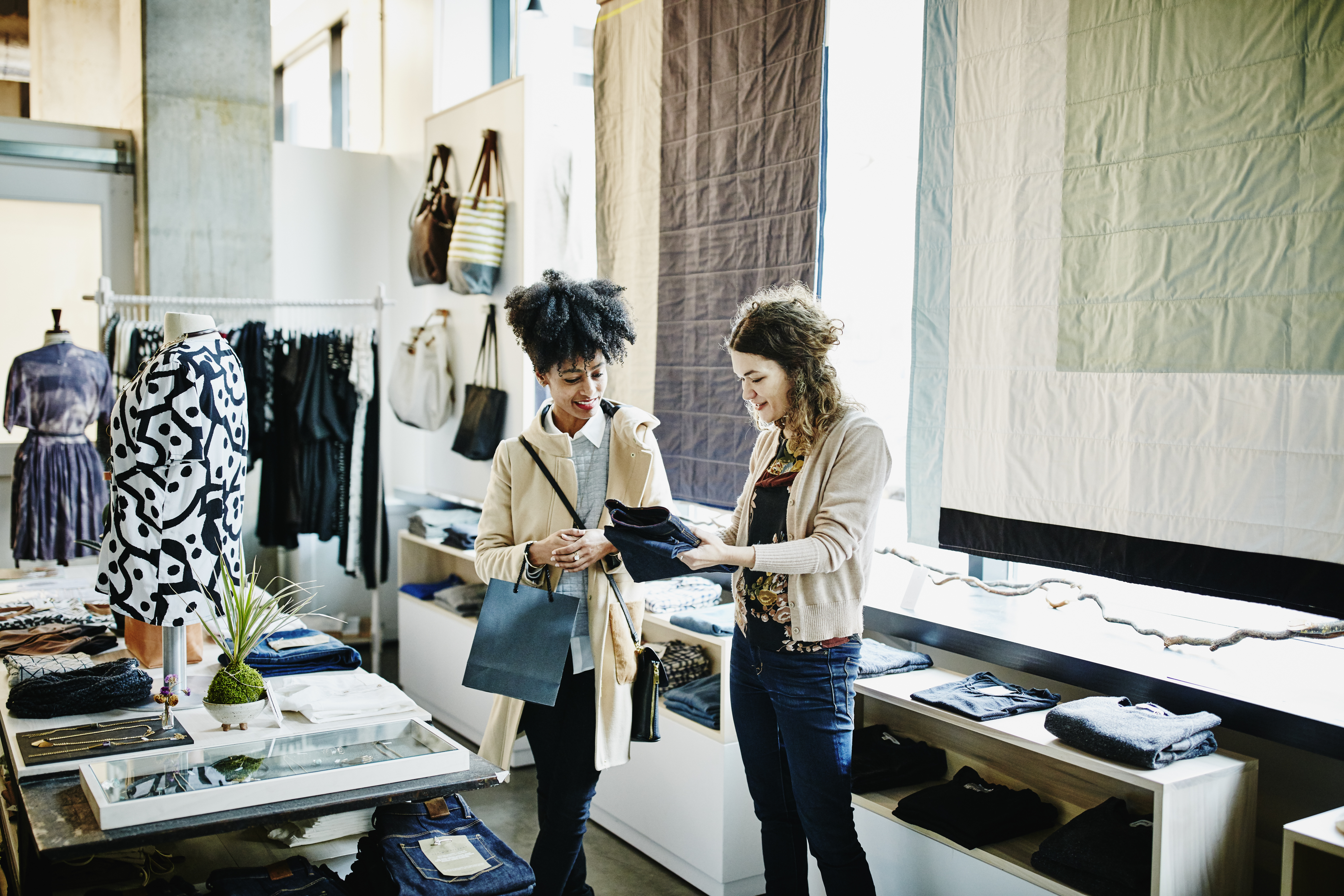 How to Start a Women's Clothing Retail Business | Chron com