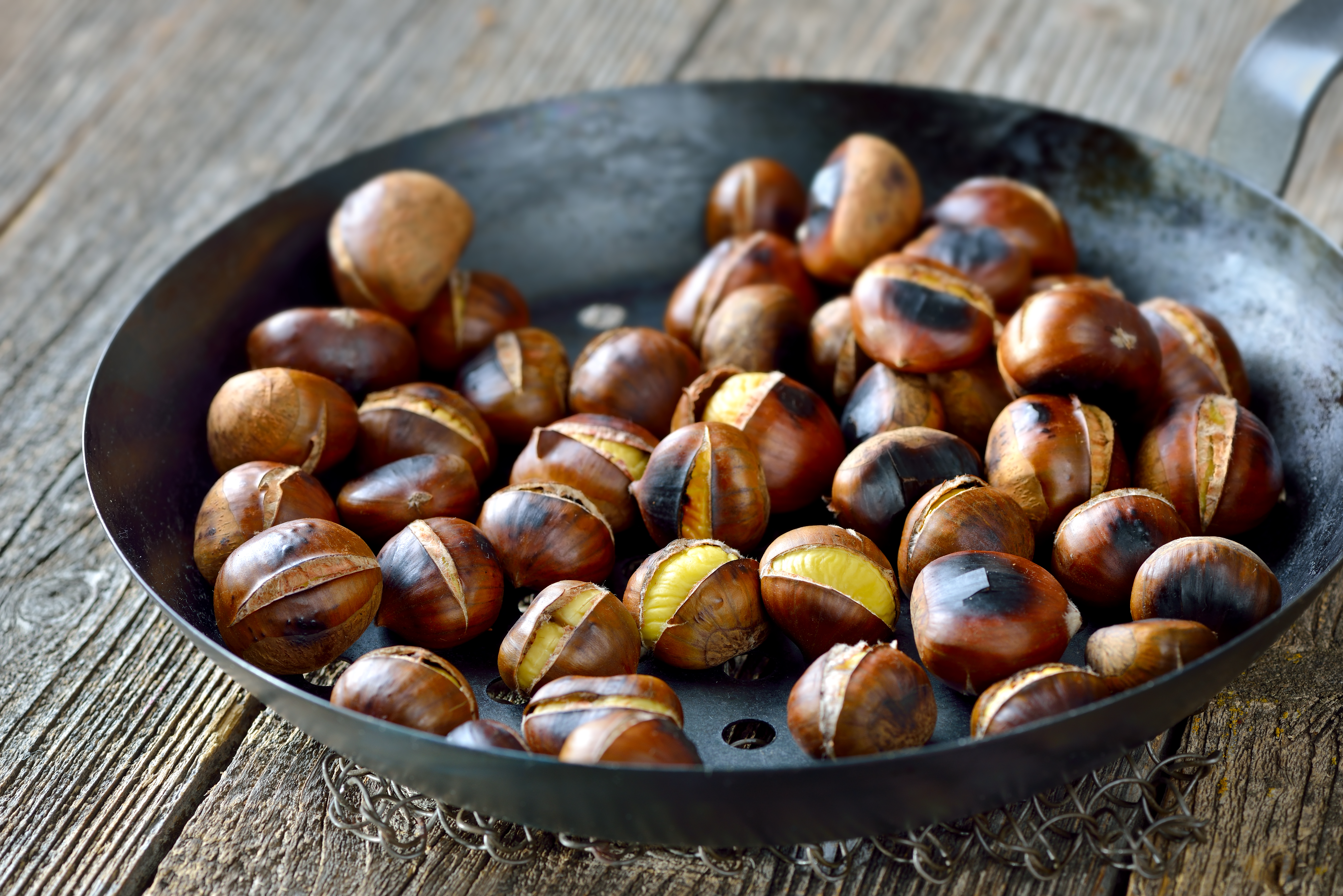 What Are the Benefits of Roasted Chestnuts?   Healthy Eating