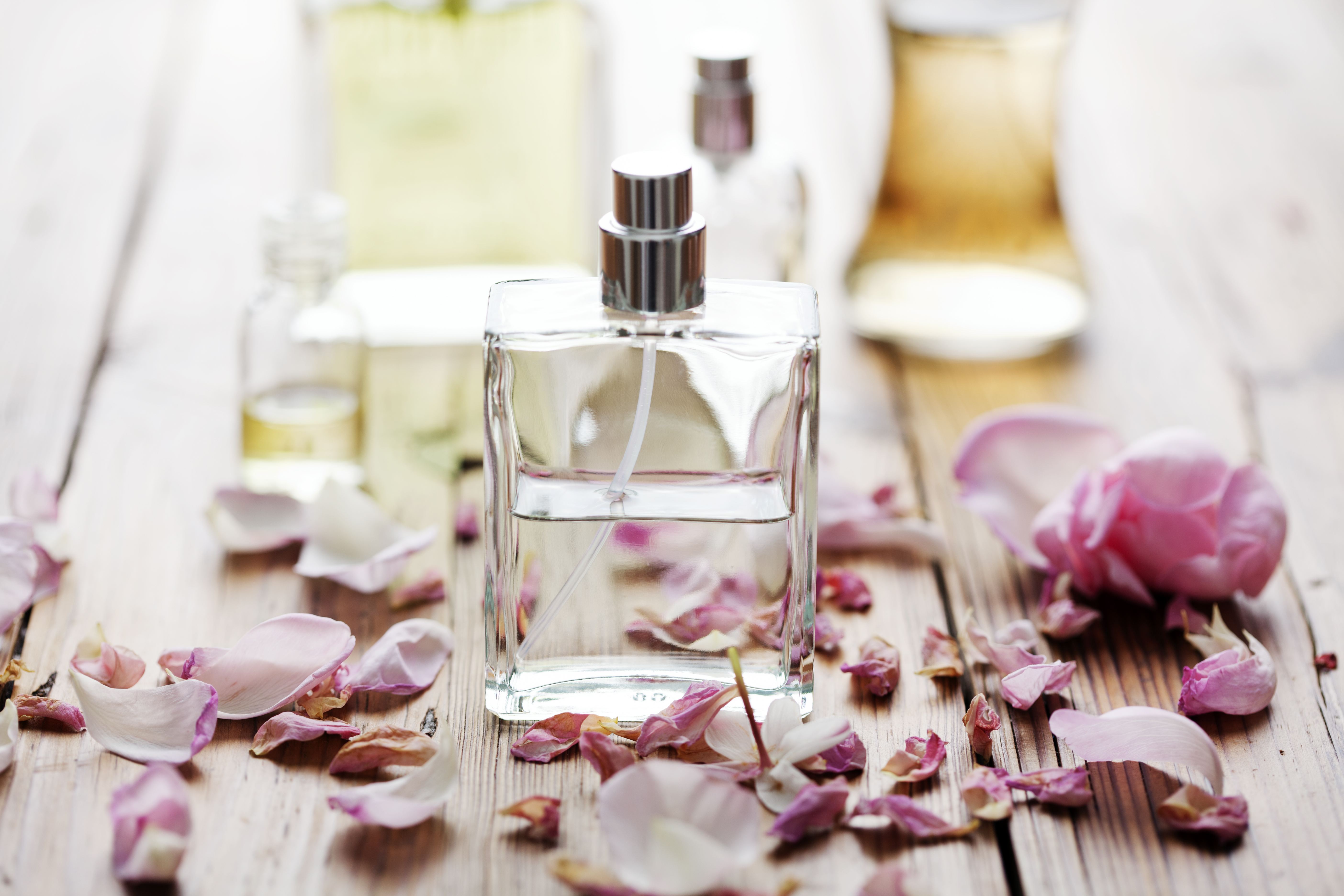 What Ingredients Make Perfume Last a Long Time?   LEAFtv