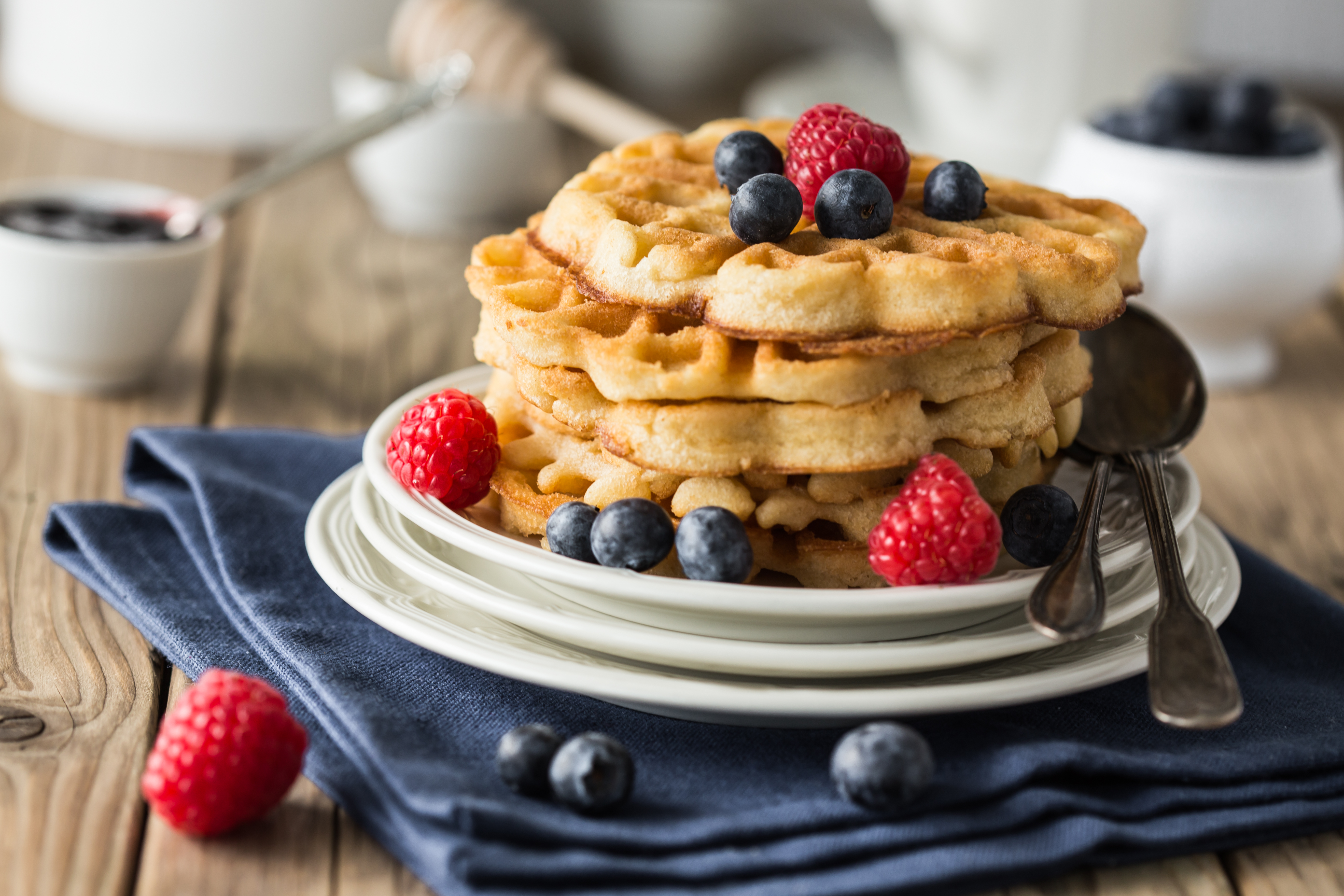 How to Make Bisquick Waffles Without Eggs | Mom Life
