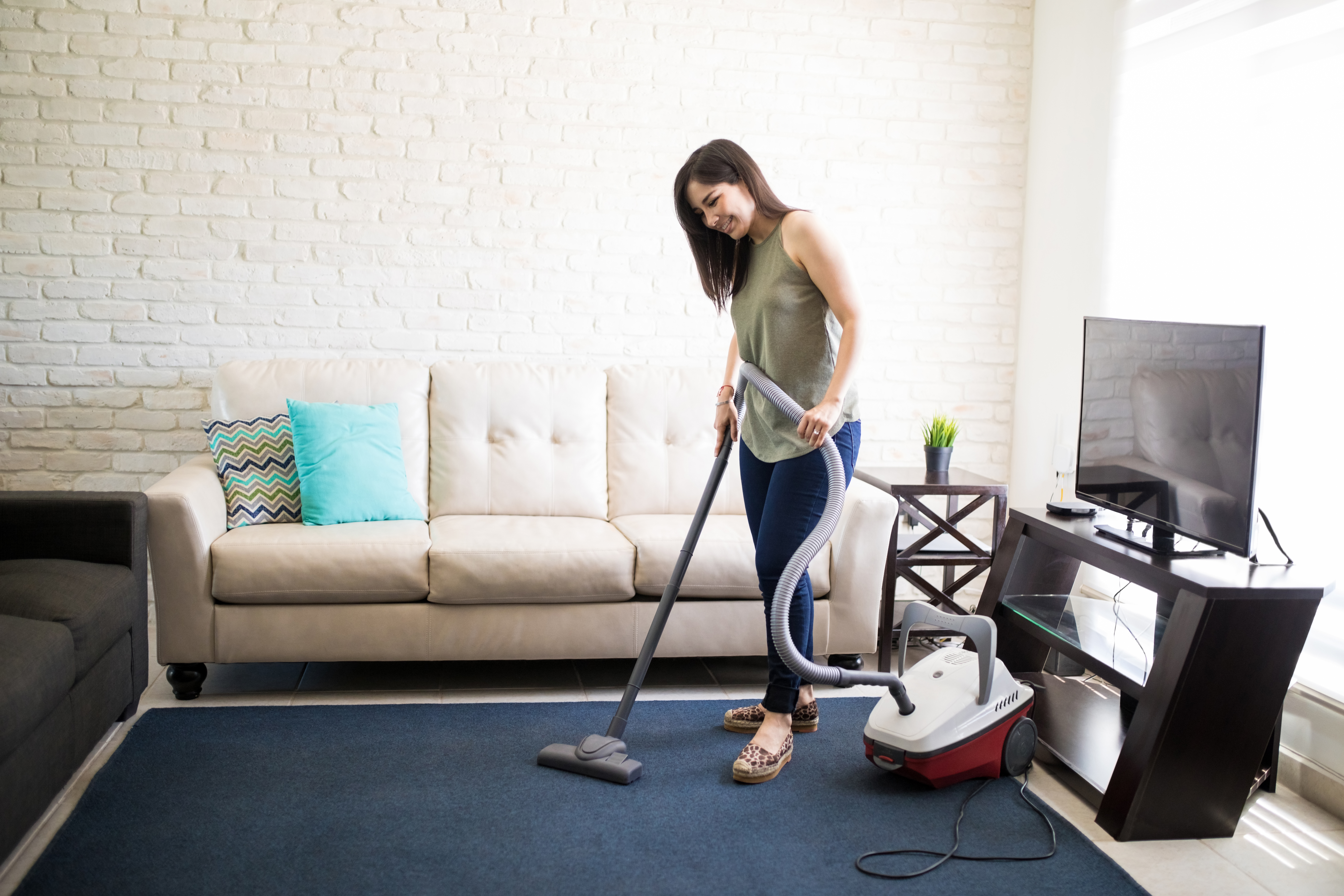 How to Keep a Vacuum Cleaner Smelling Fresh | Home Guides