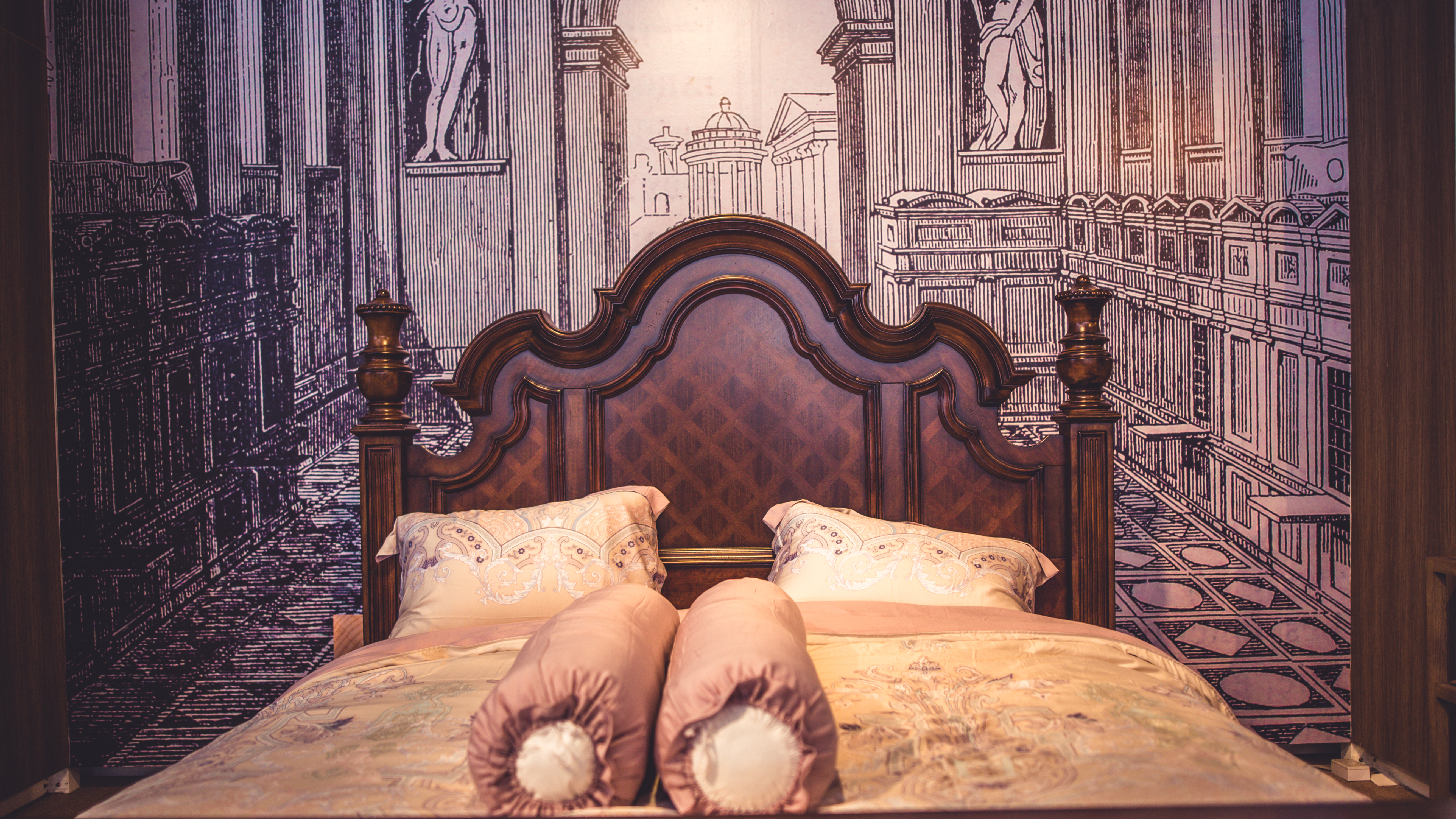 What Size Room Can Hold a Queen-Size Bed? | Home Guides | SF ...