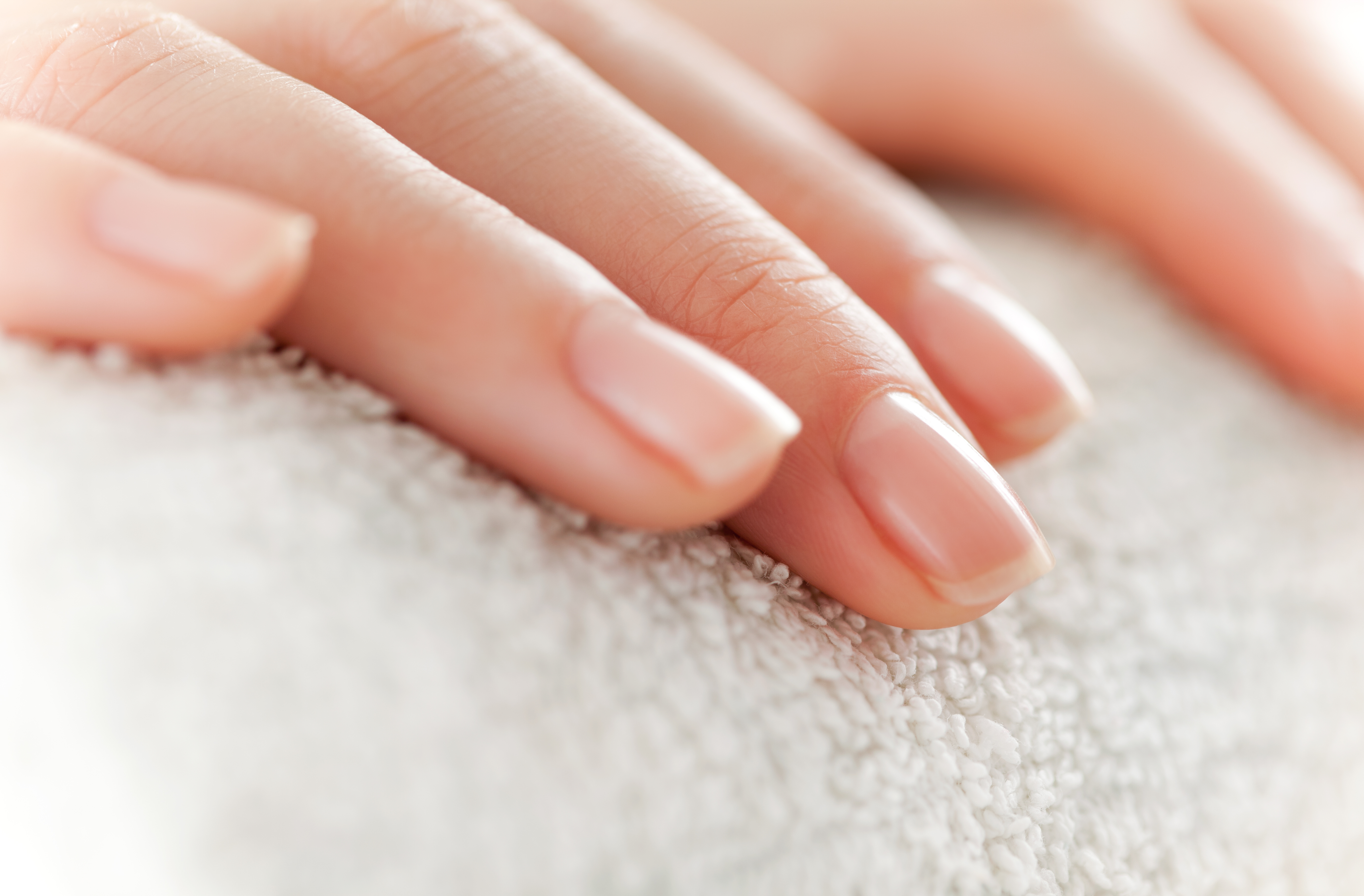 How to Use Rubbing Alcohol to Kill Nail Fungus | LEAFtv