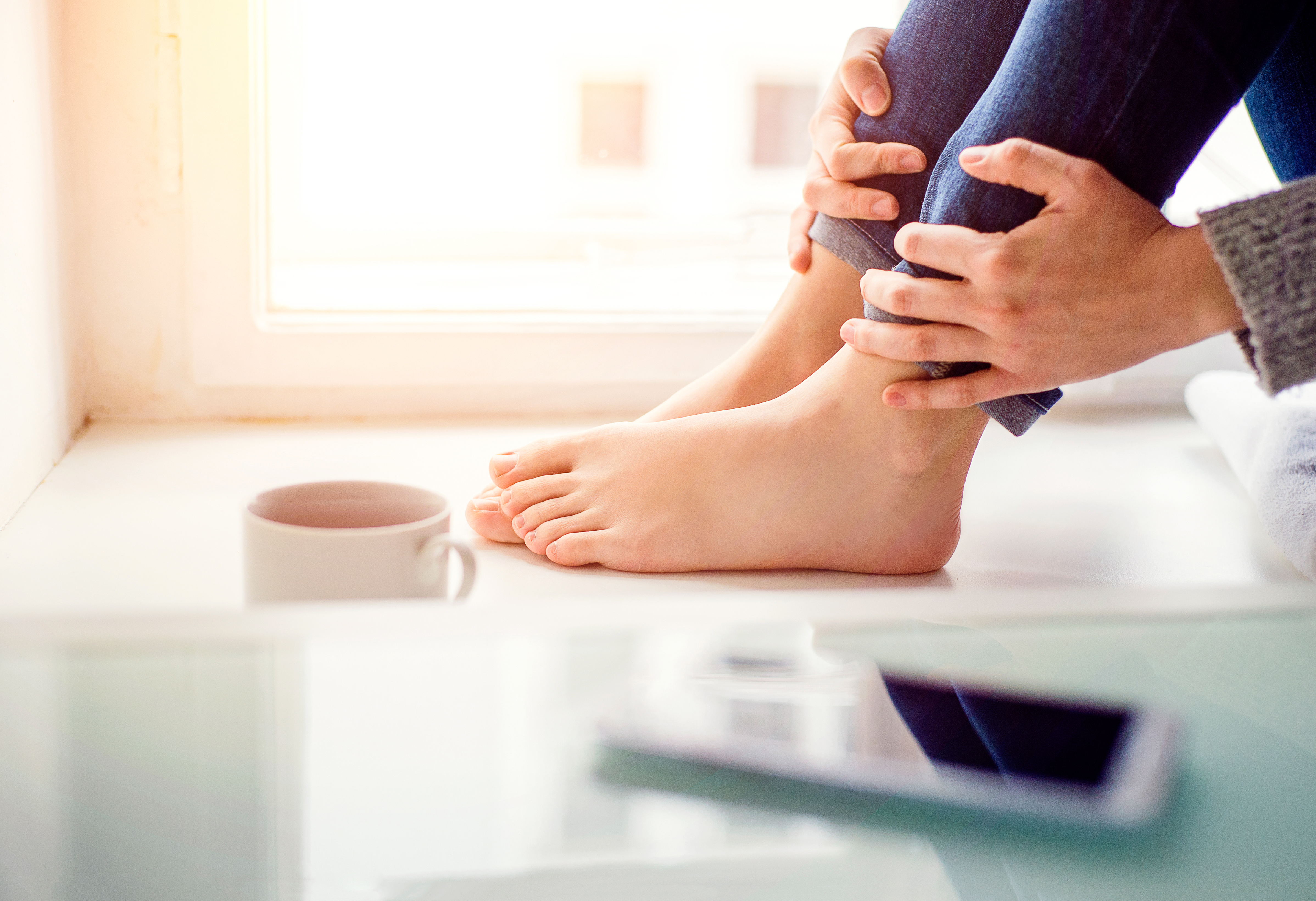 How to Get Rid of Tingly, Swollen and Bloated Feet | LEAFtv