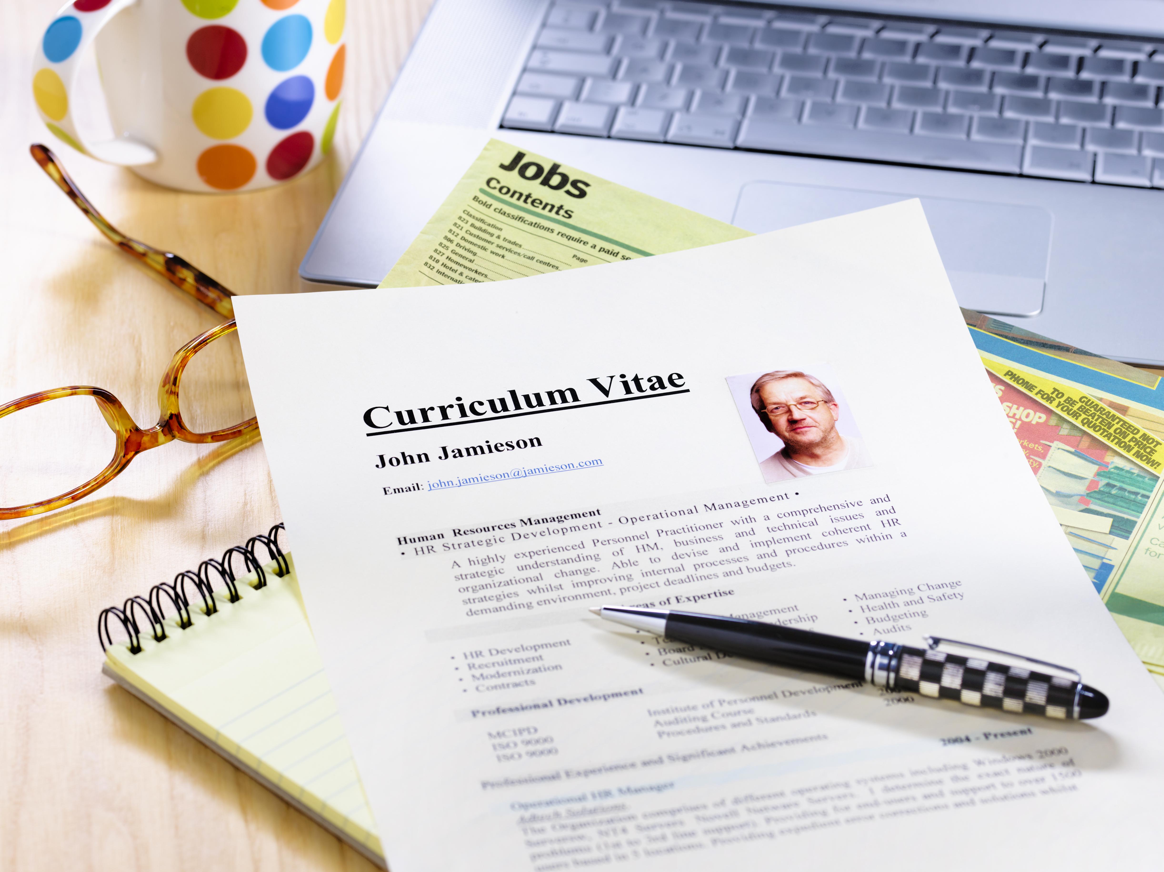 Cómo crear un currículum en Microsoft Word | Cuida tu dinero