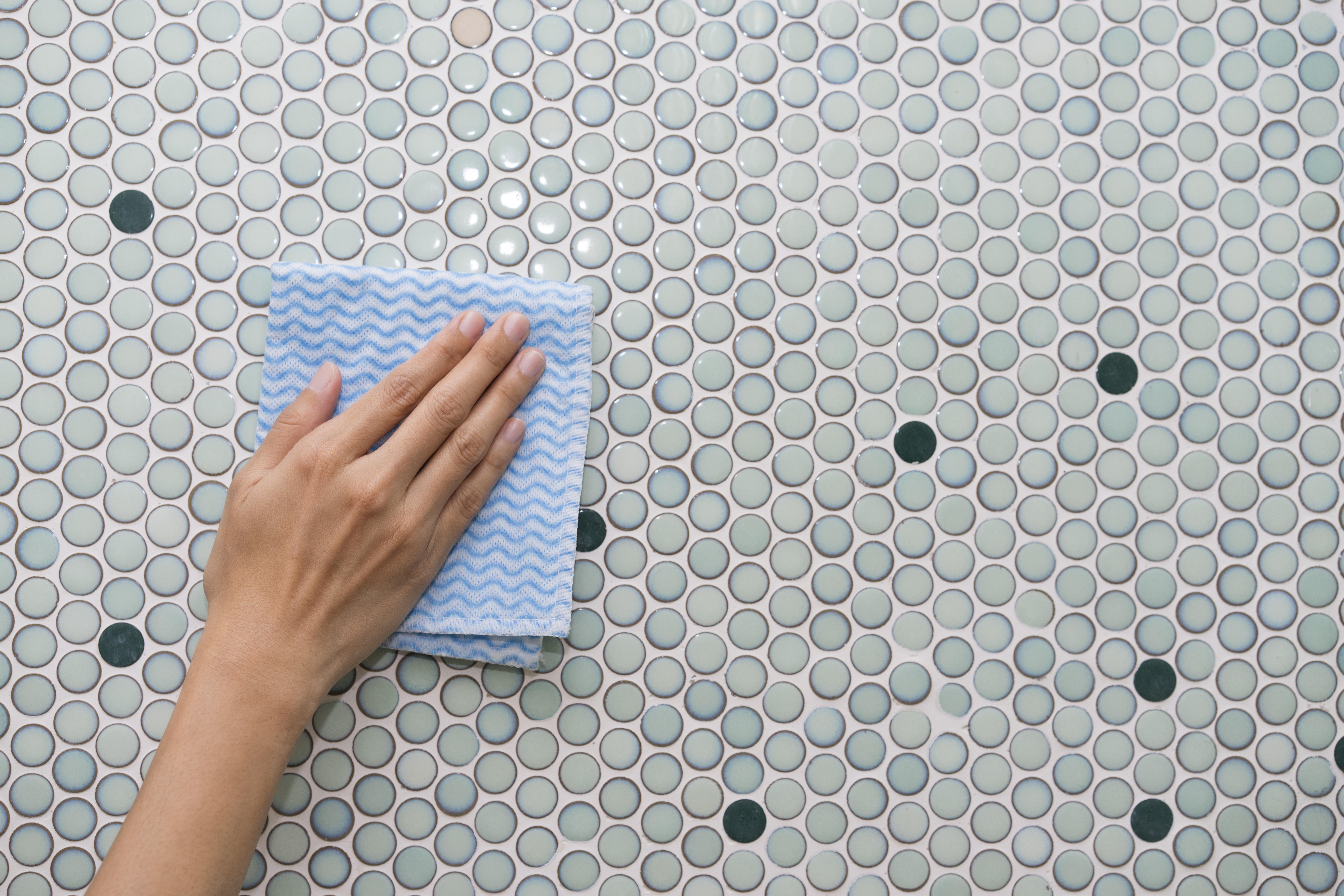 How to Clean & Restore Shine on Bathroom Tiles   Home Guides