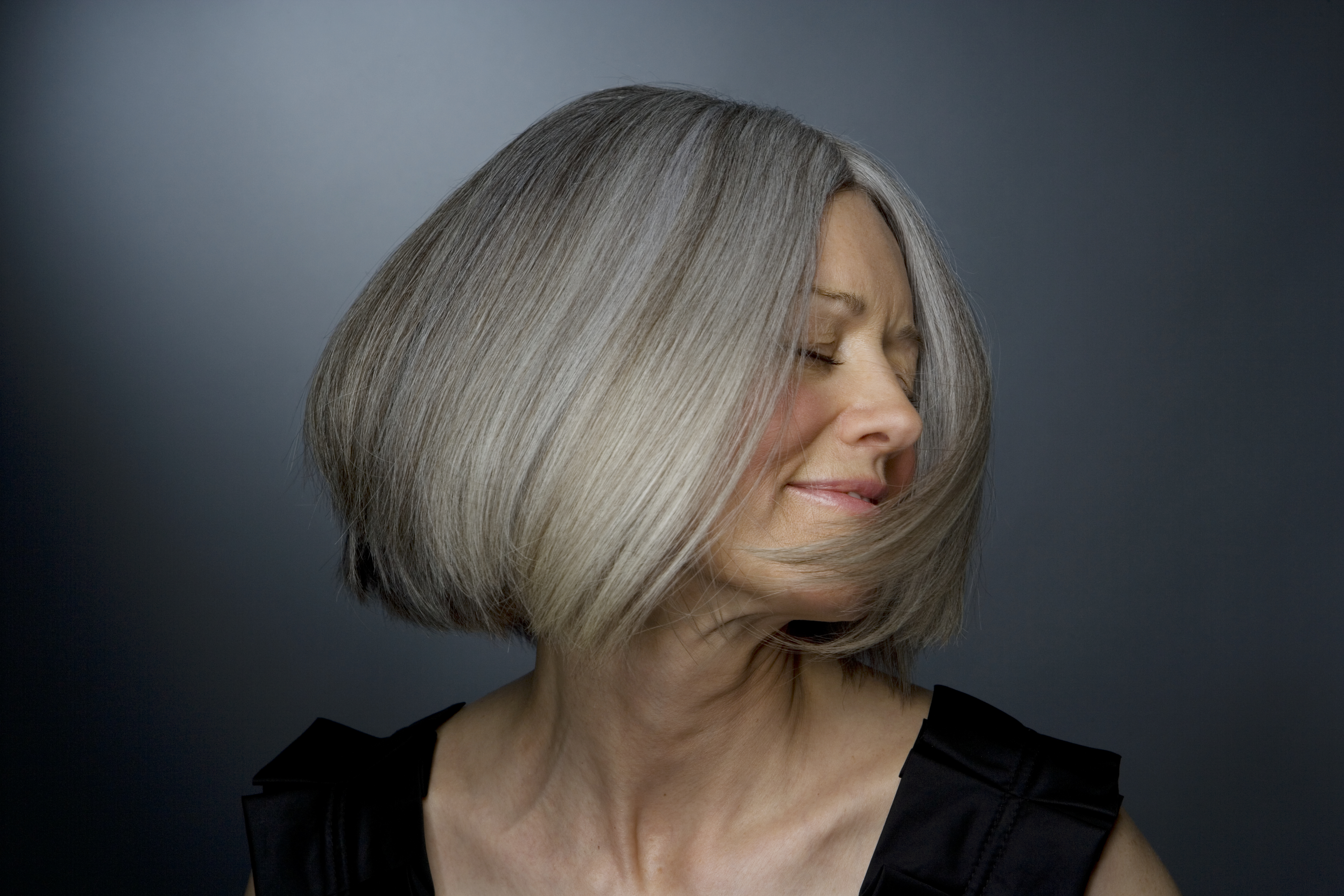 Tips on Coloring Gray Hair Around the Face | LEAFtv