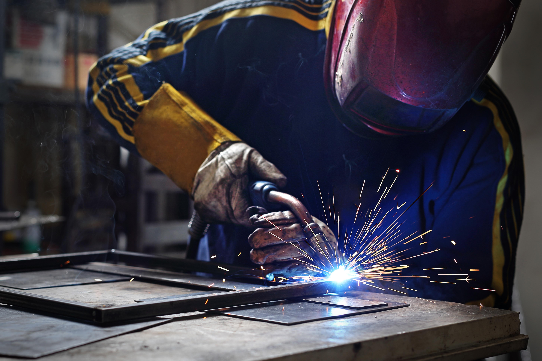 Basic Metal Straightening Techniques | Career Trend