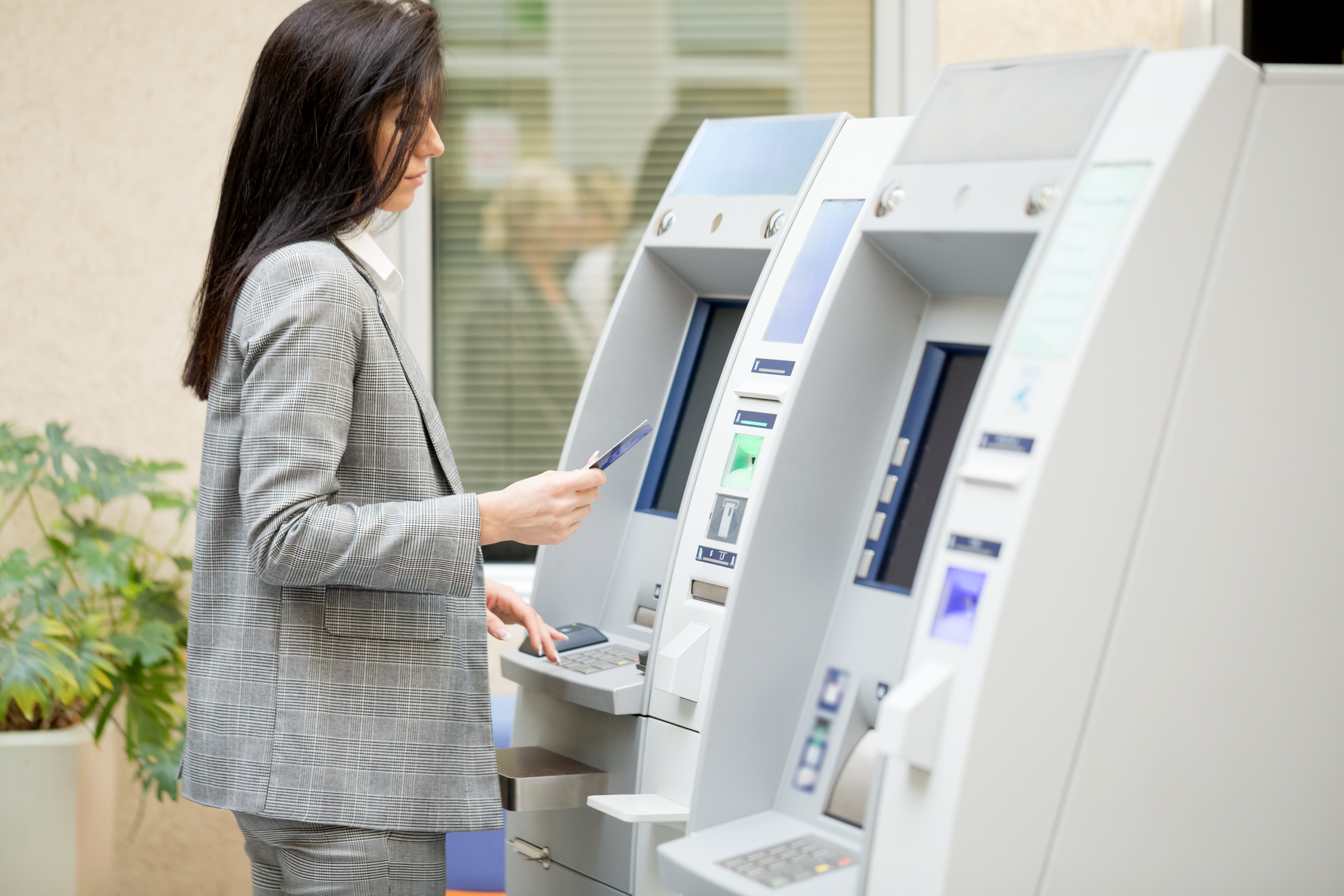Do Golden 1 ATMs Allow You to Deposit With Cash Back?