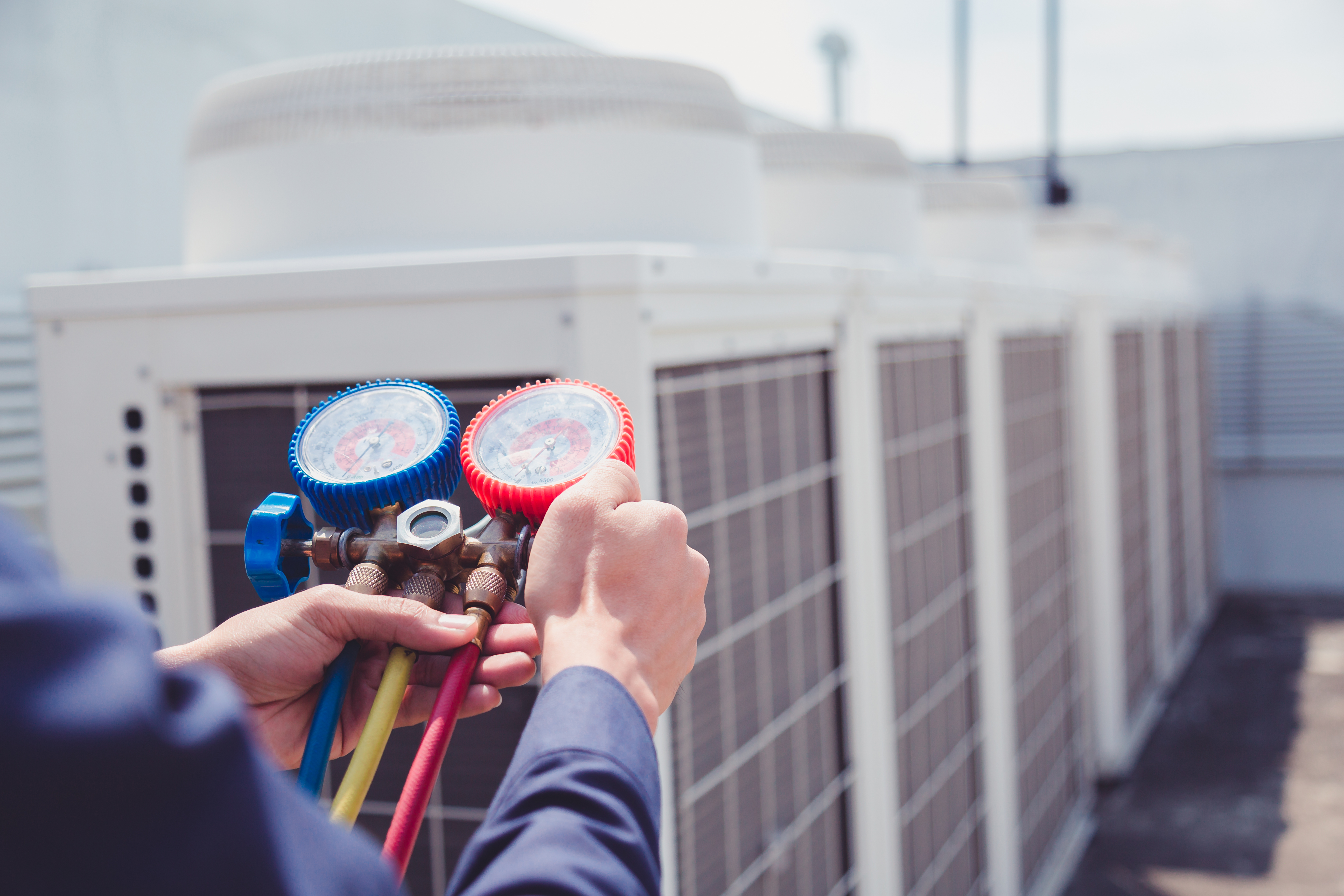 How to Switch an HVAC System From R-22 to a R-410A | Home