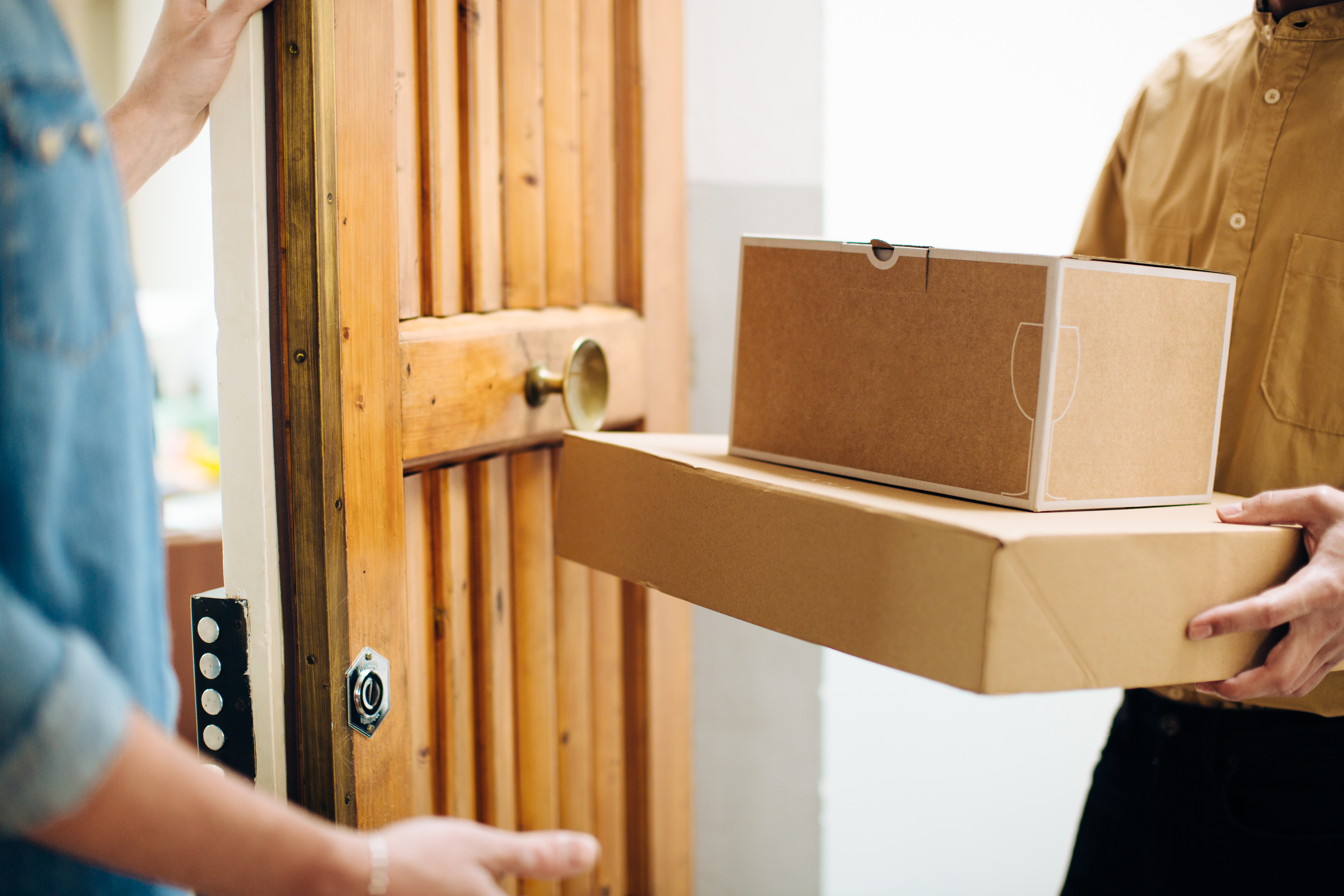 How to Change a UPS Shipping Address | Bizfluent