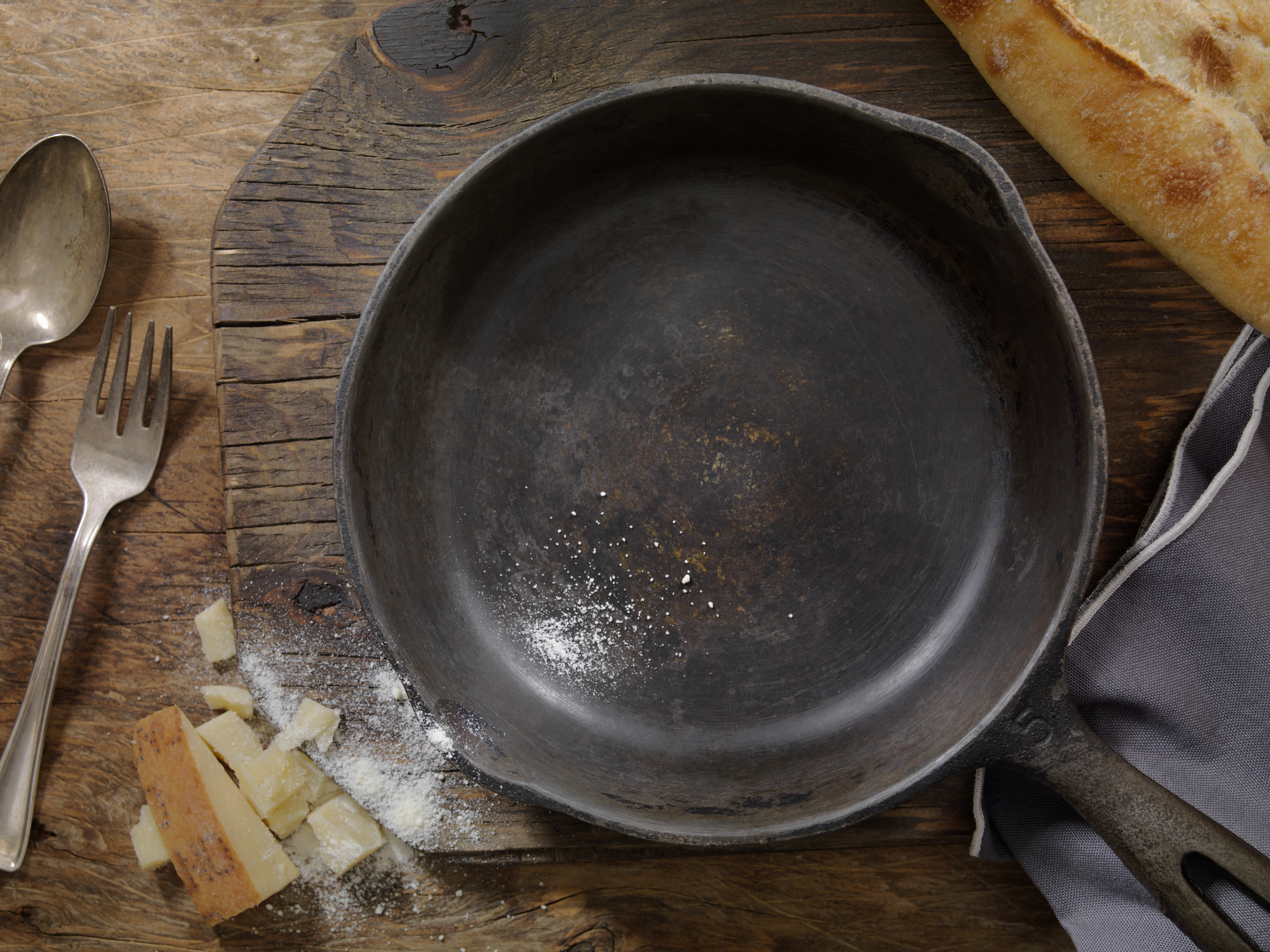 Anodized Cookware Dangers | LEAFtv