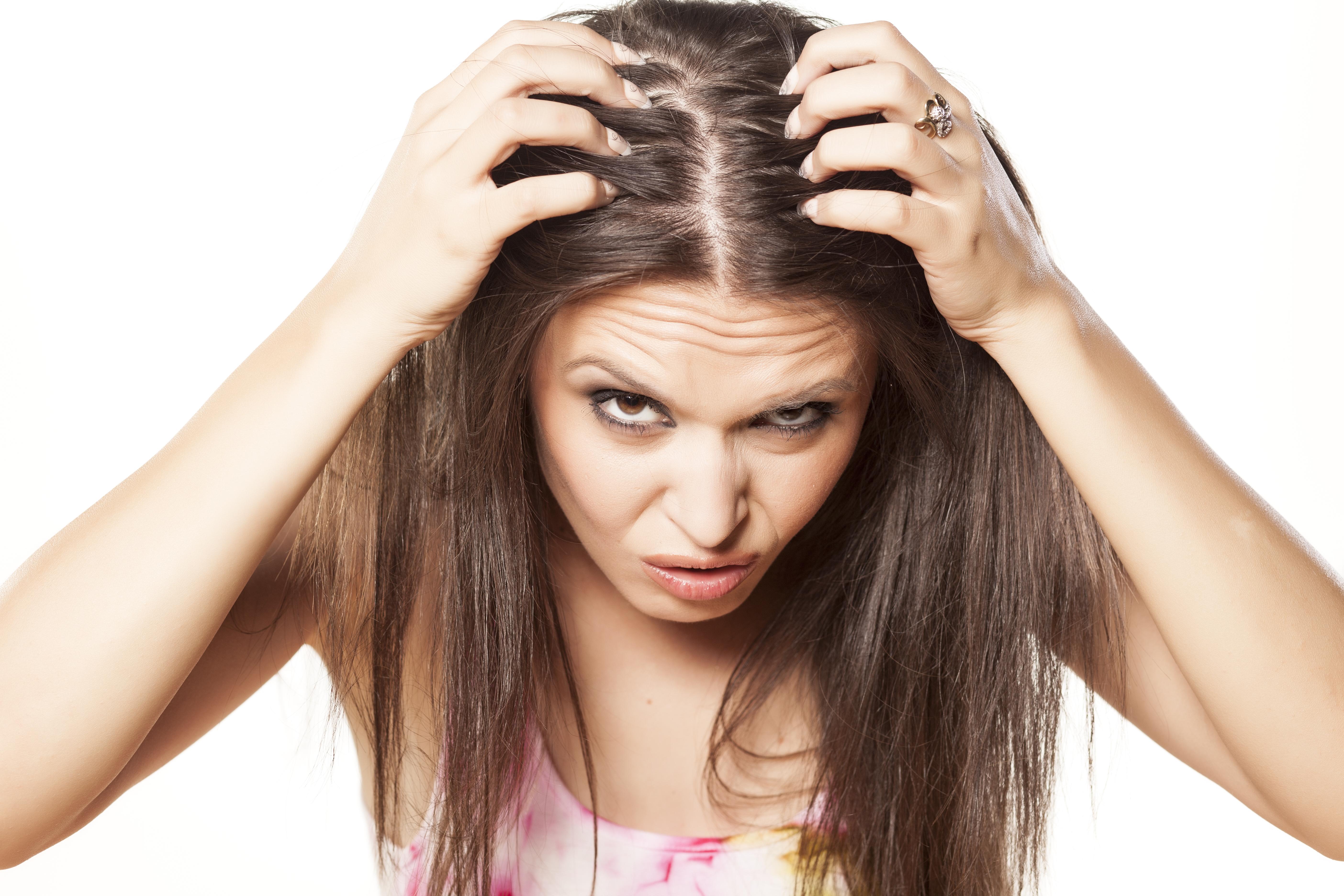 Dolor del cuero cabelludo al tacto