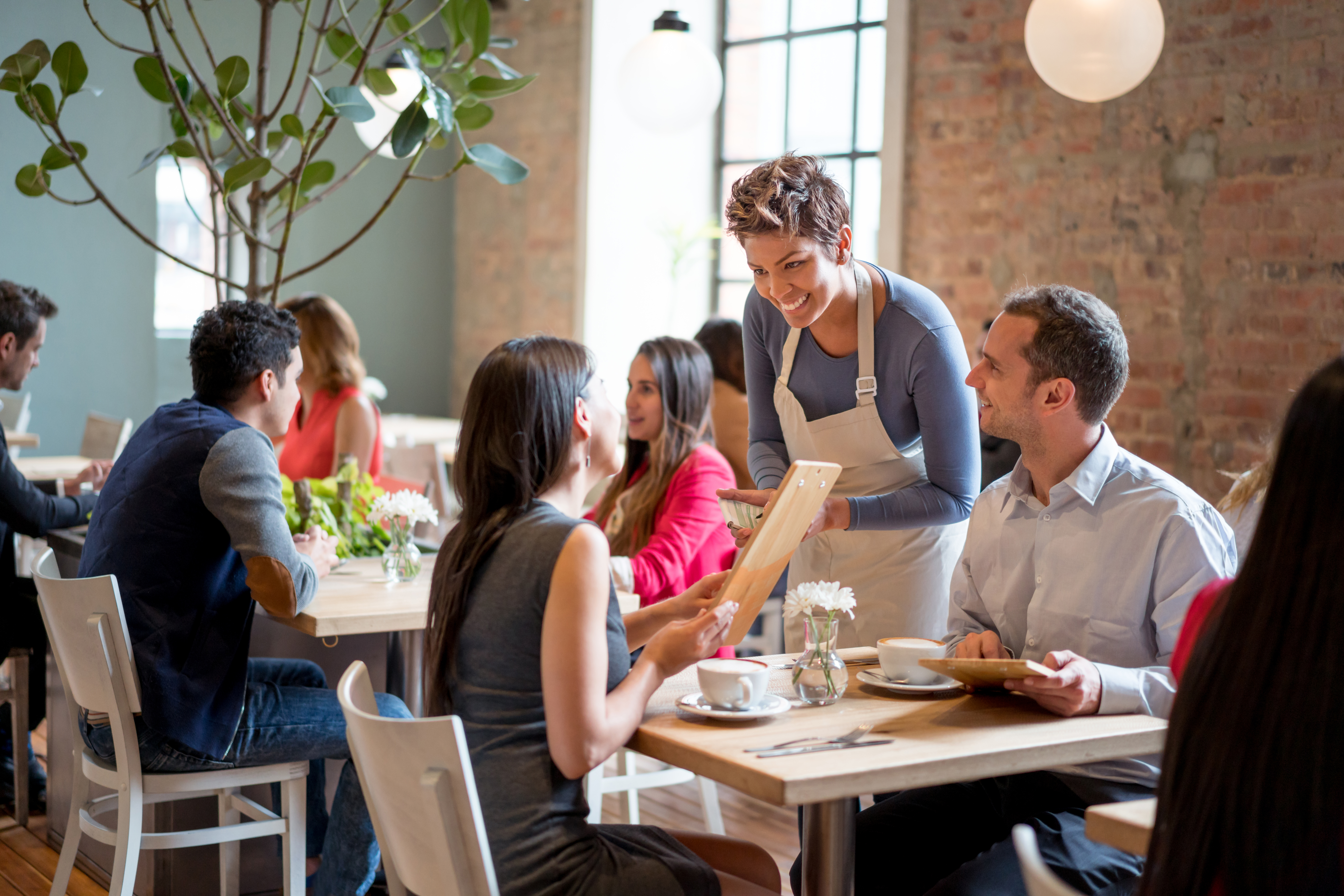 What Percentage Should a Restaurant Spend on Payroll