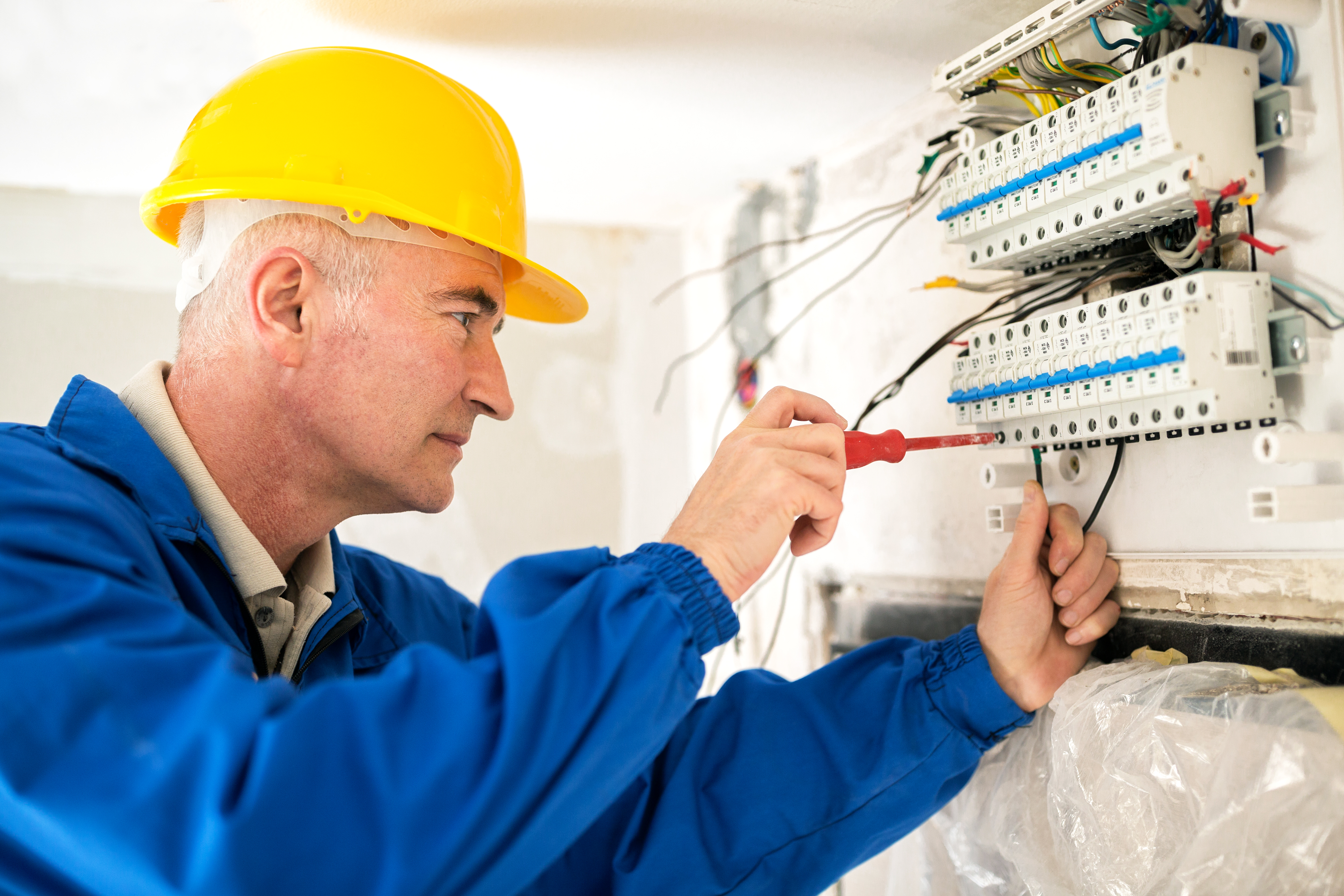 How to Become a Plumber in Canada   Career Trend