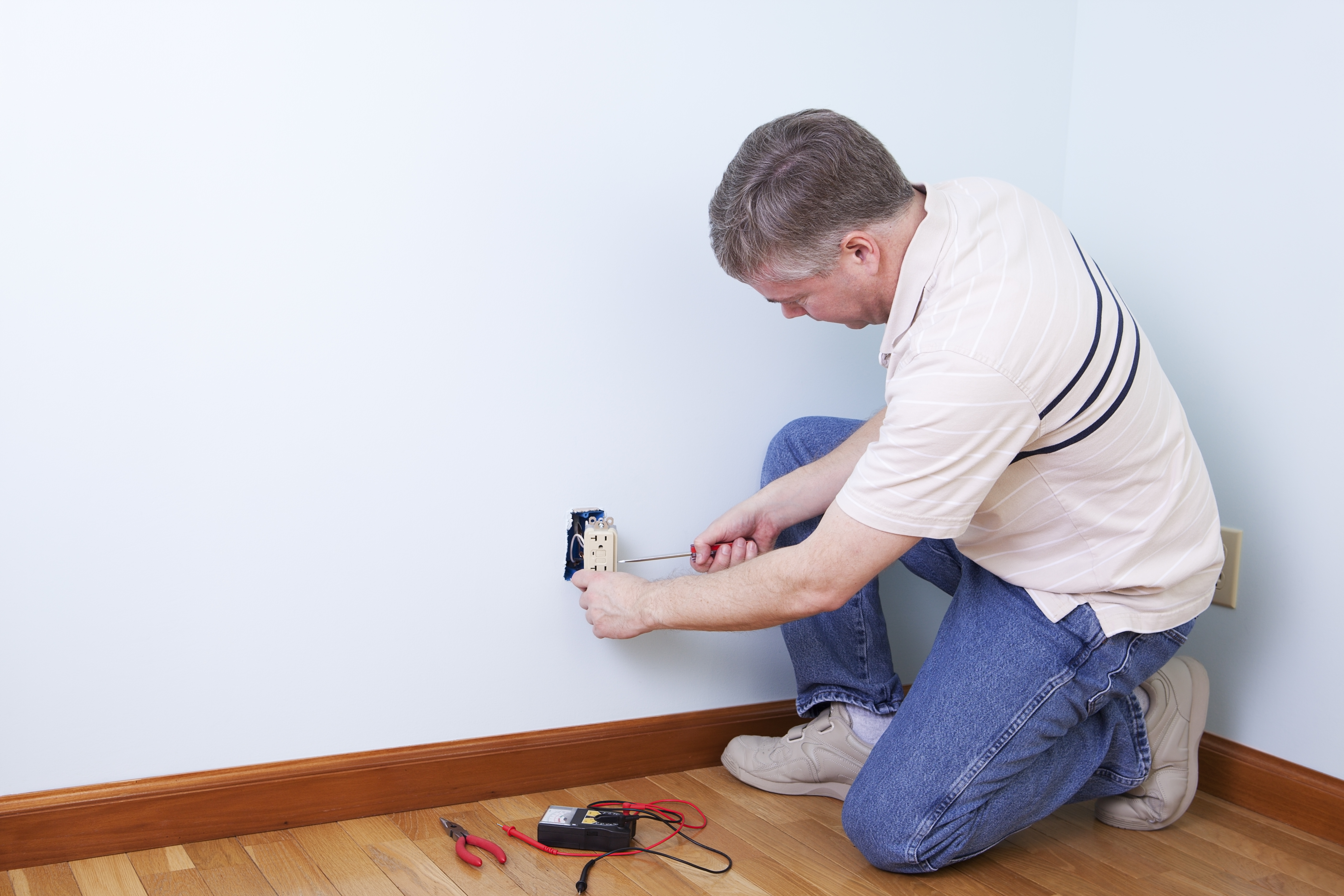 How to Wire an Electrical Outlet With Red, White, & Black