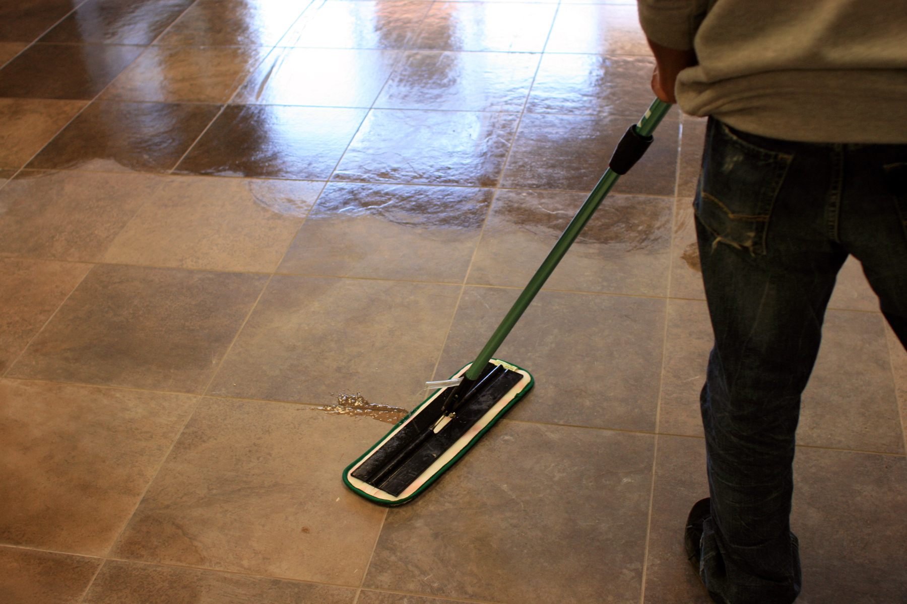 Can Swiffer Sweeper Wet Mopping Cloths Be Used On Wood Floors