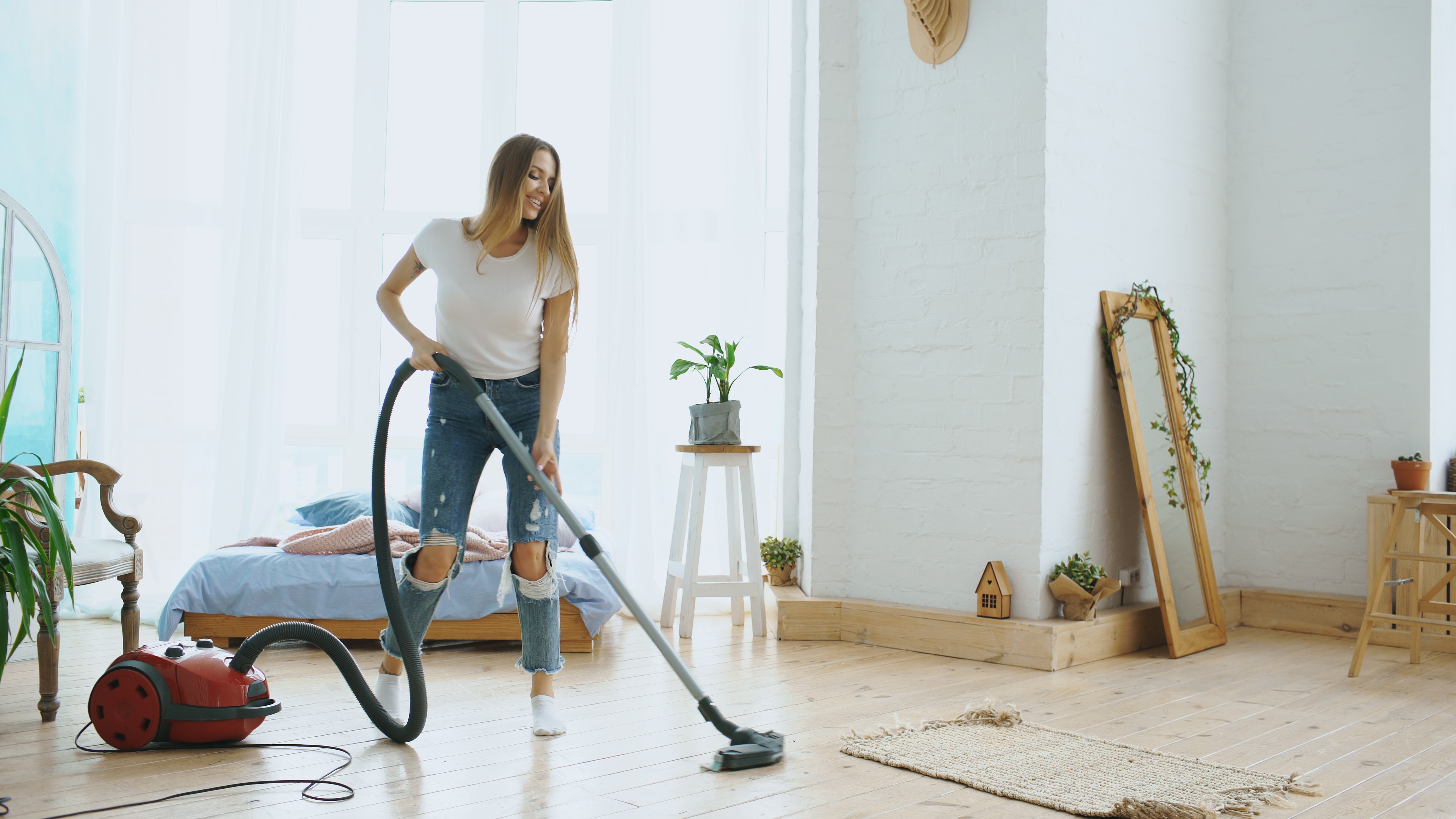What Are the Causes of Vacuums Losing Suction? | Home Guides
