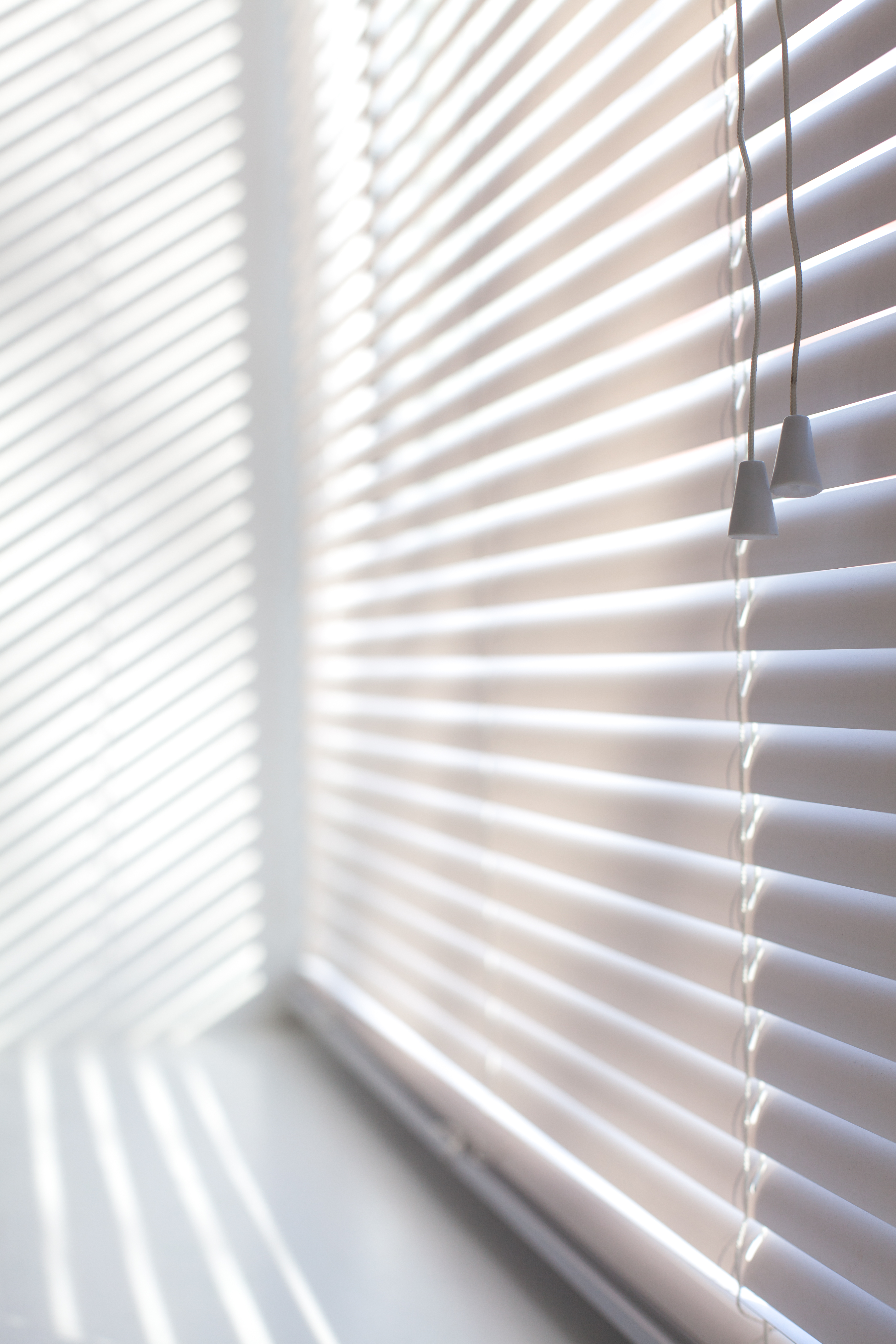 How To Clean Sun Yellowed White Plastic Blinds Hunker