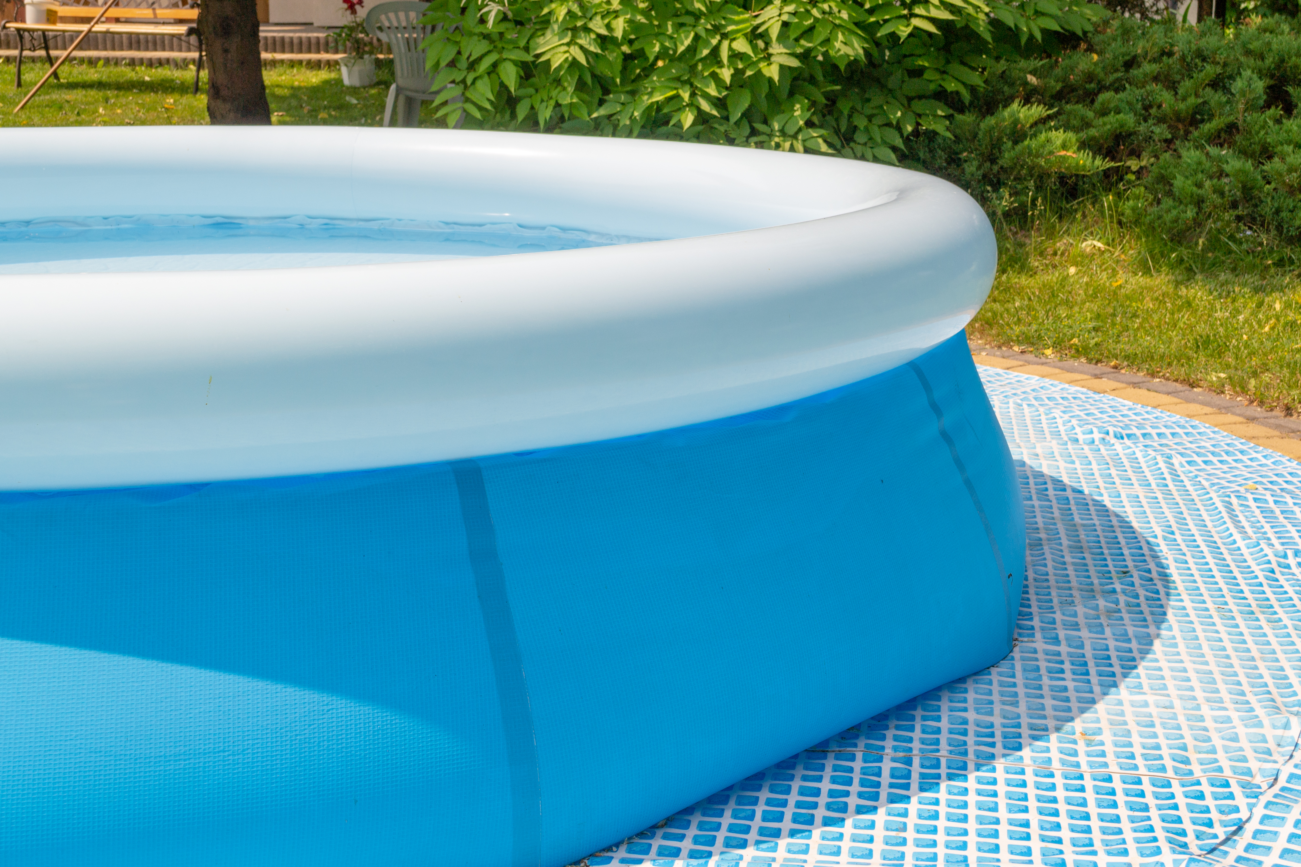 How to Fill the Top Ring in an Intex Pool | Home Guides | SF ...