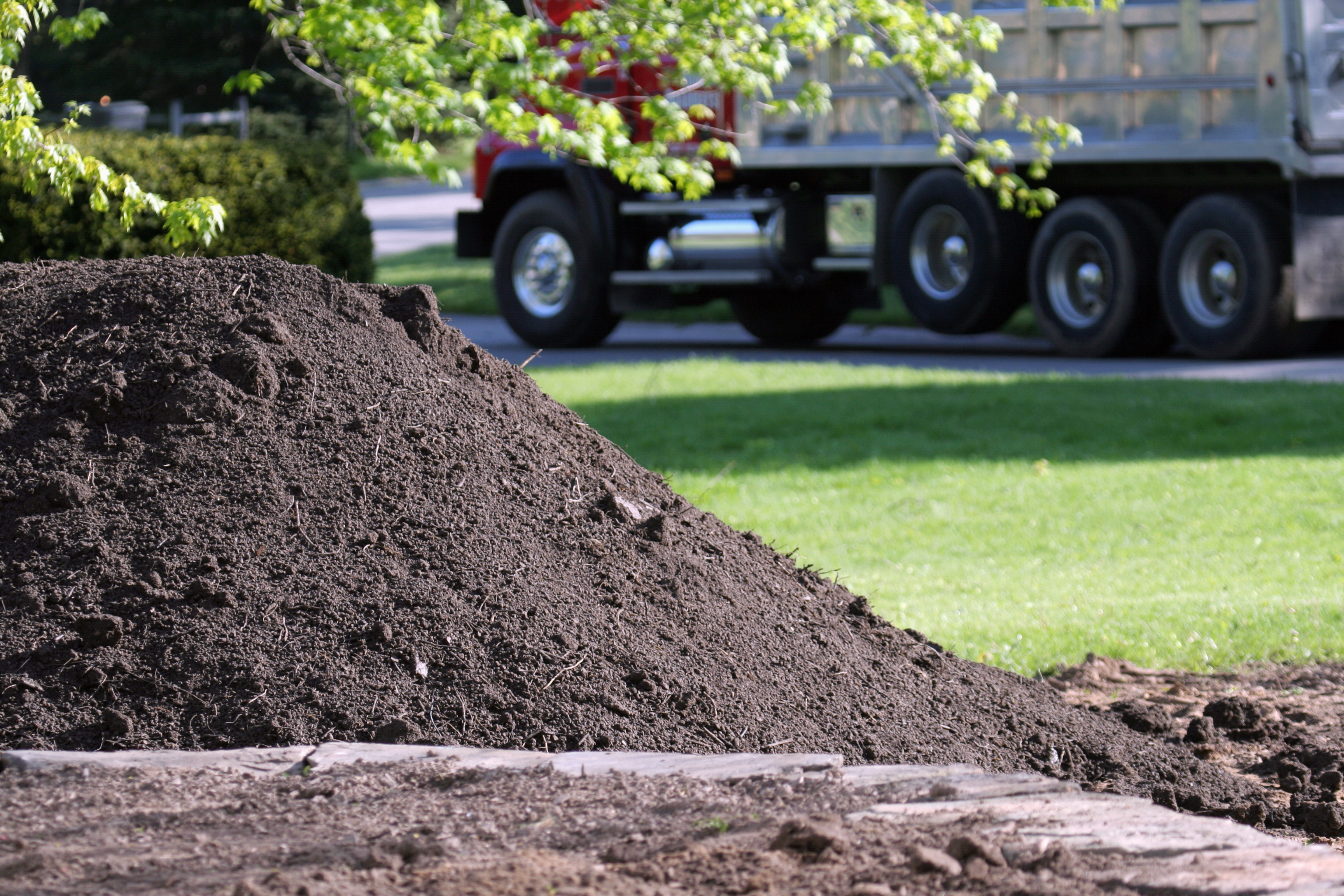 The Average Cost for One Yard of Topsoil | Hunker