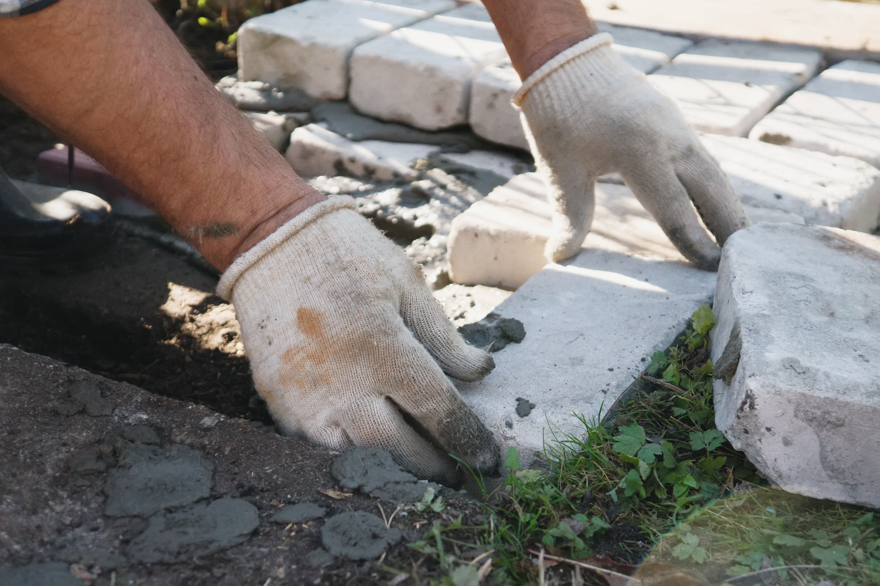 Do You Use Mason Sand or Playground Sand in a Paver Base
