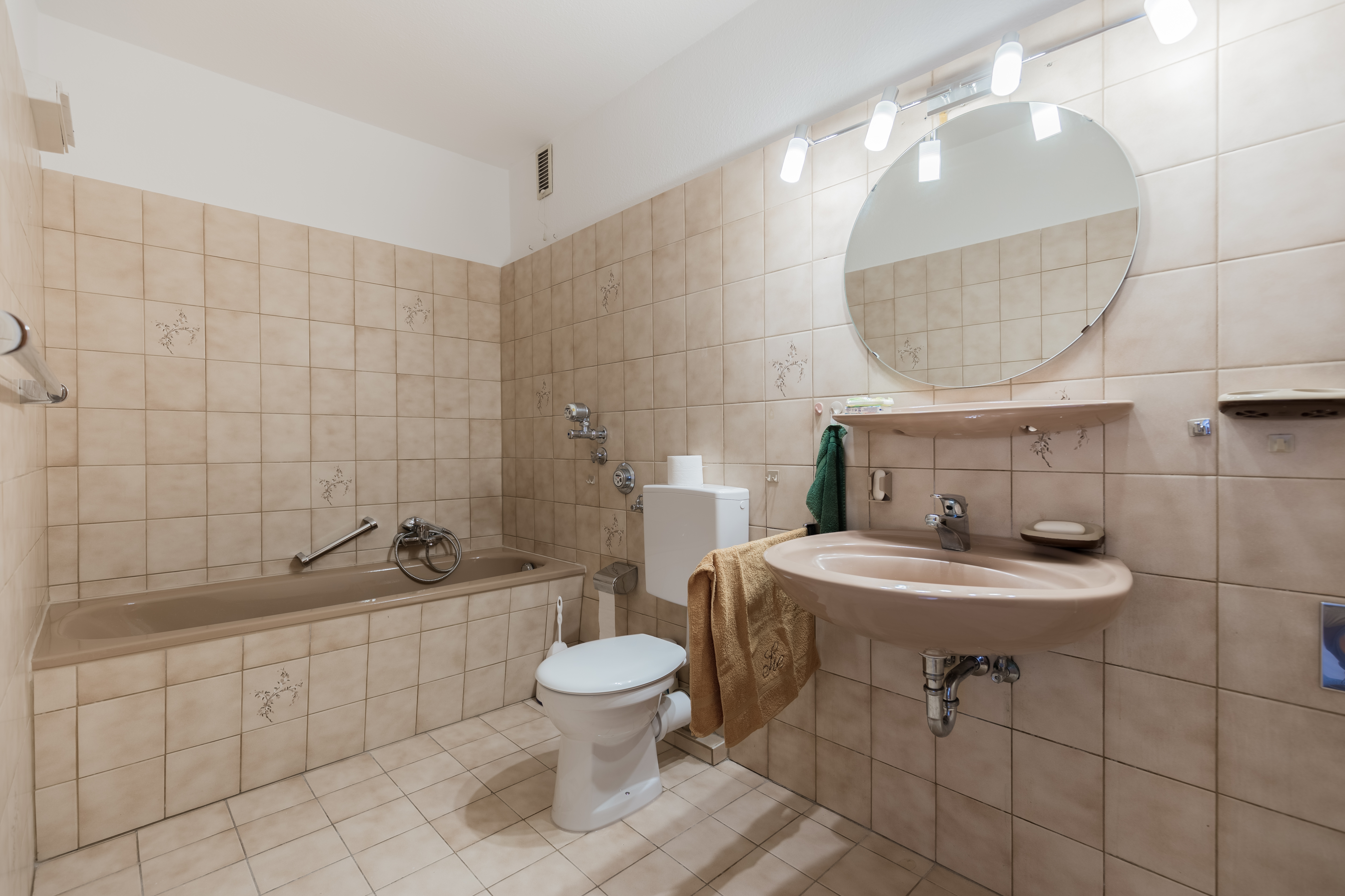 How To Install Bathroom Tile In Corners