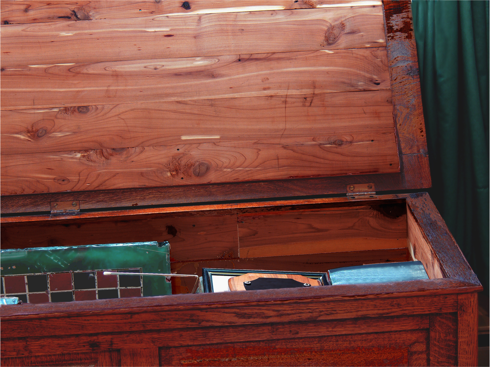 How to Get a Musty Smell Out of a Cedar Chest | Hunker