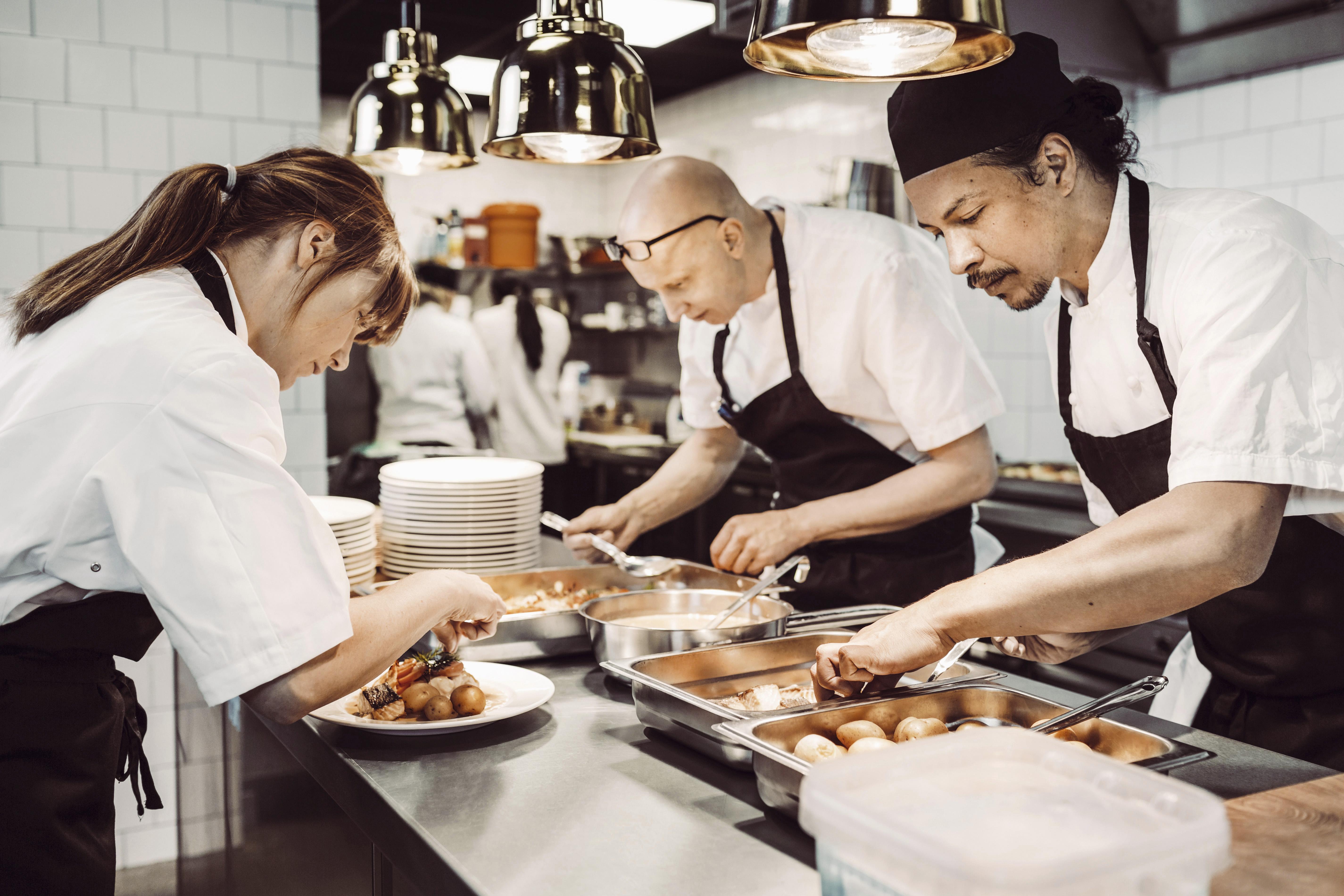 Advantages Disadvantages Of A Sous Chef Career
