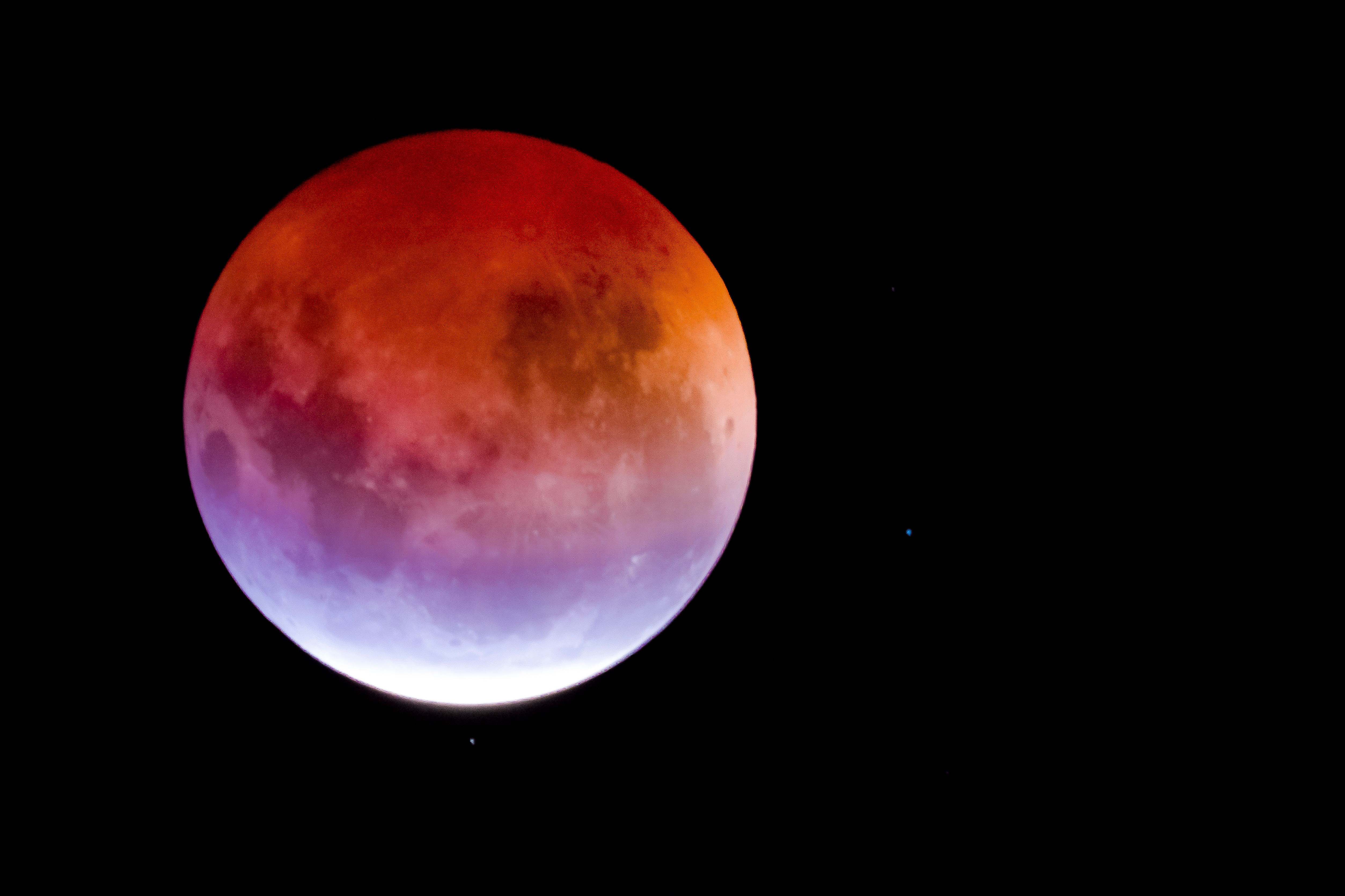 Lunar eclipse: how it affects a person 2