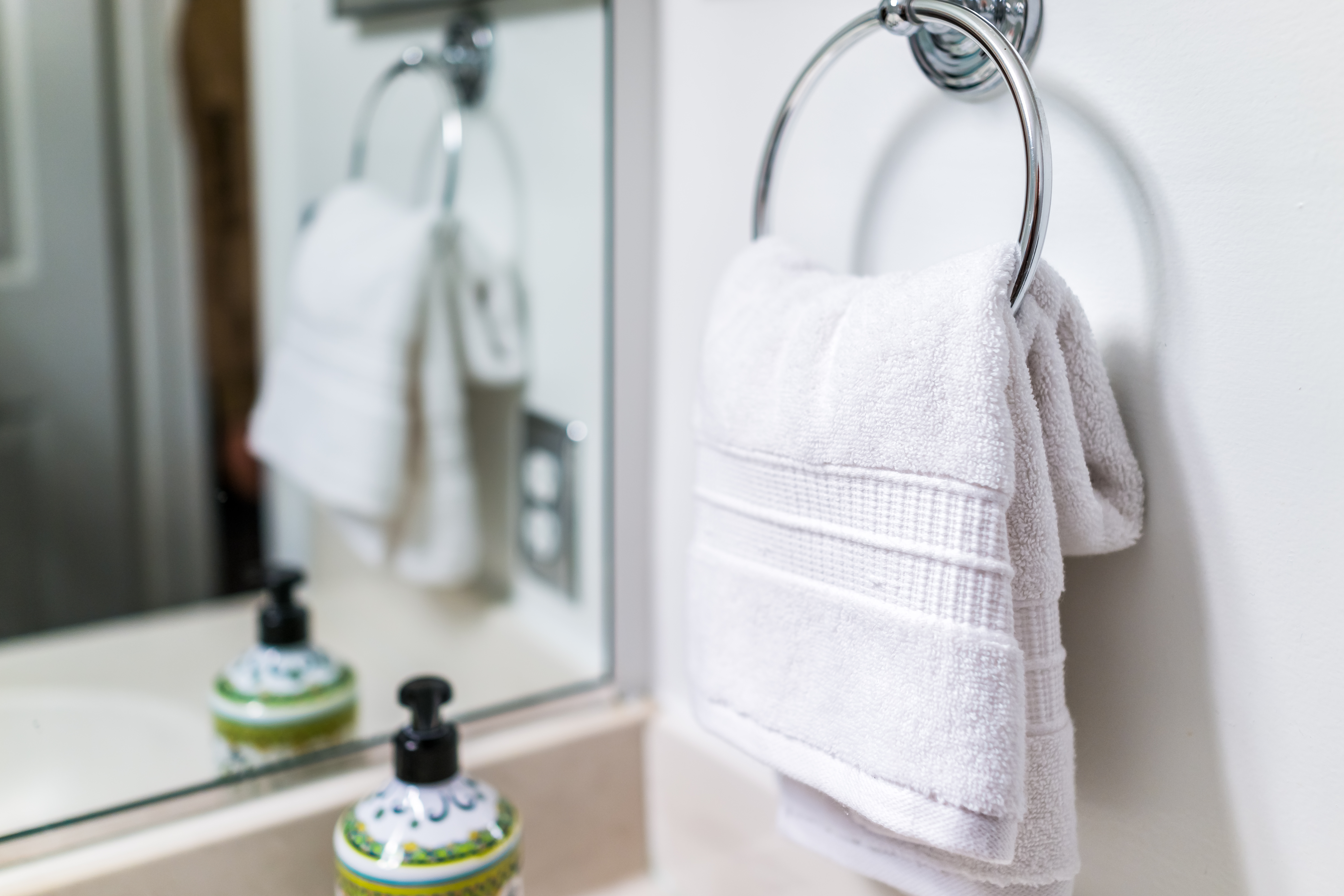 Where To Hang A Towel Ring When Decorating The Bathroom