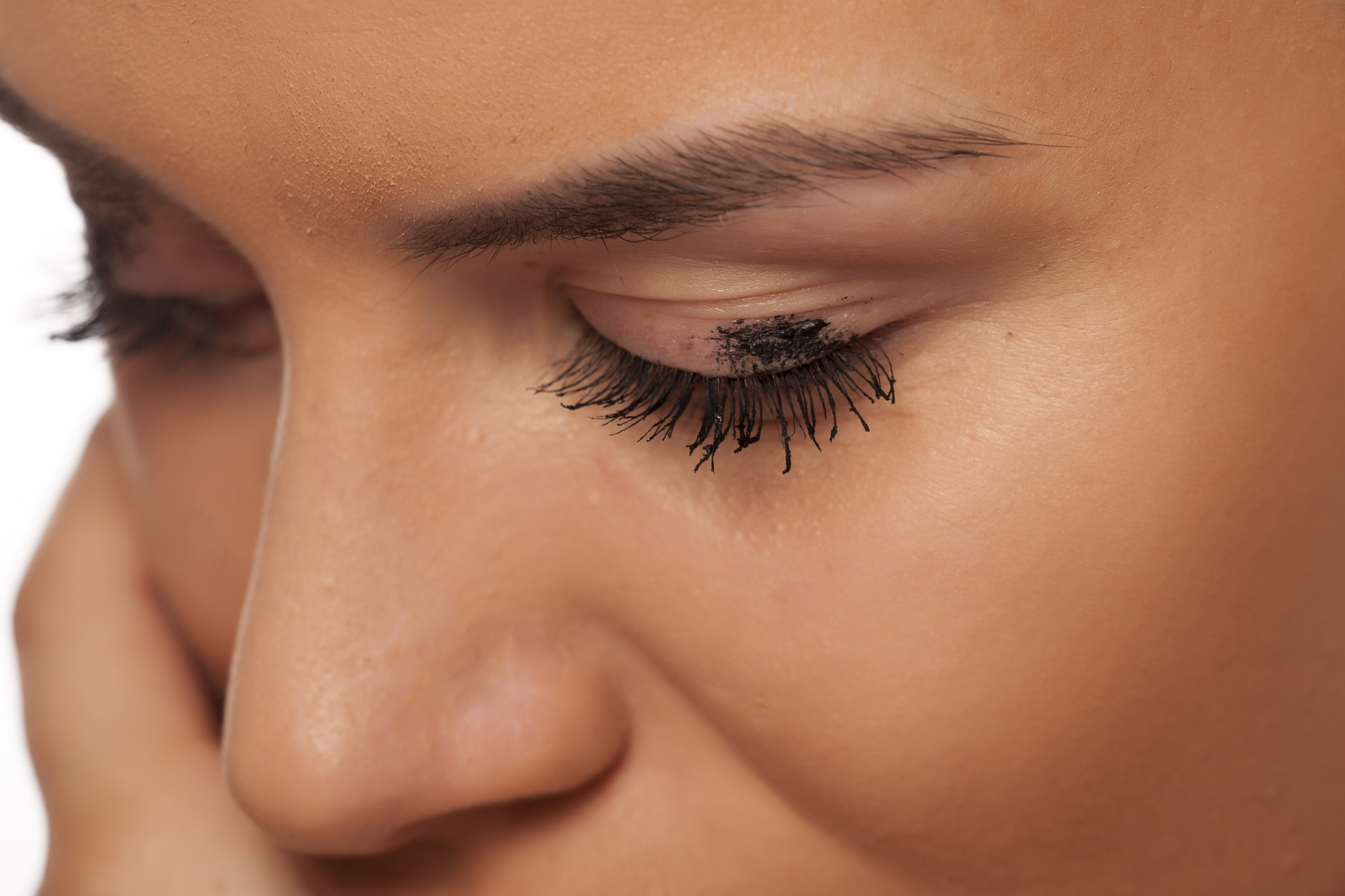 How To Remove Eyelash Dye From Skin Leaftv