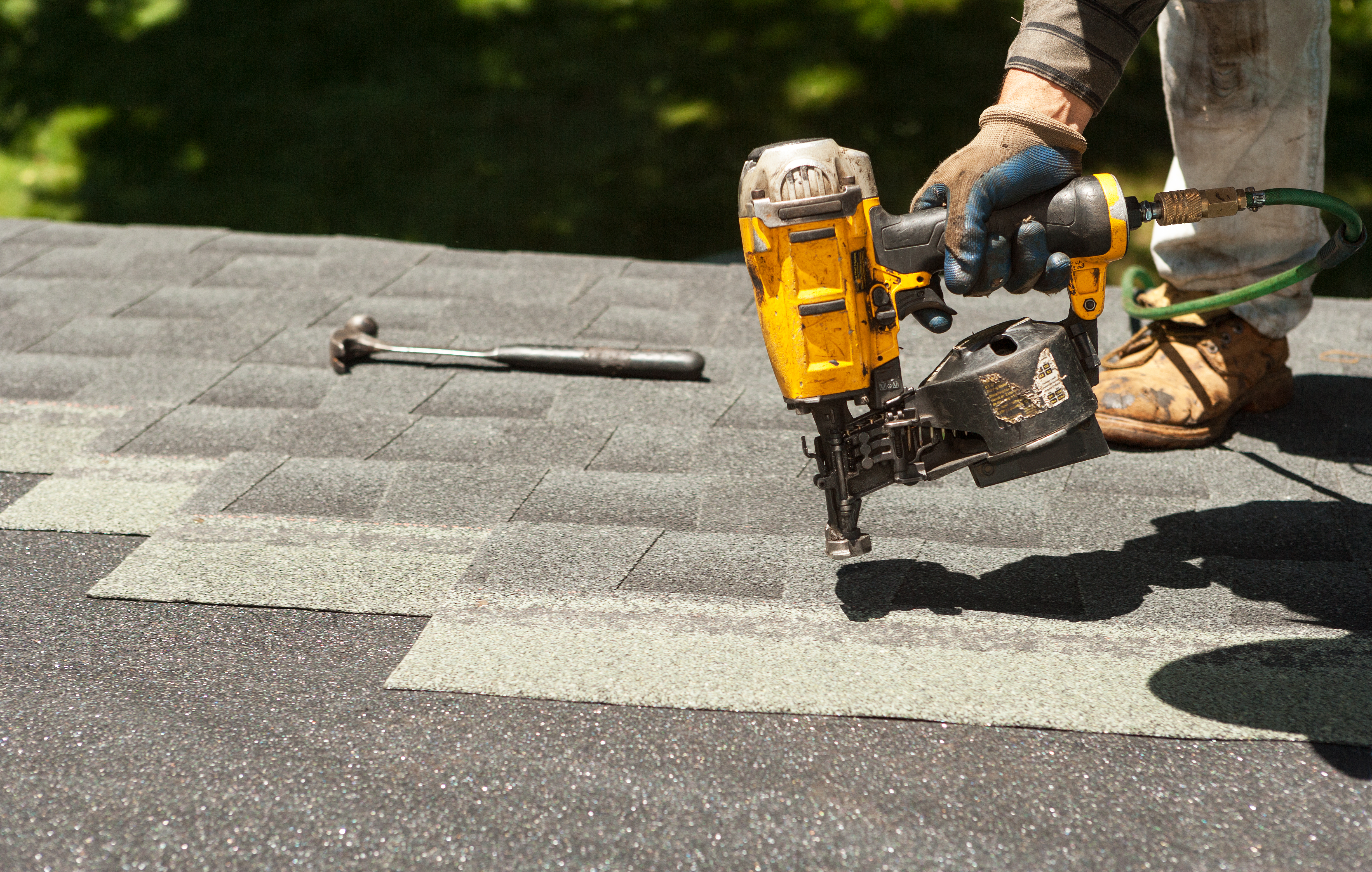 How to Install Felt Underlayment for a New Roof | Home