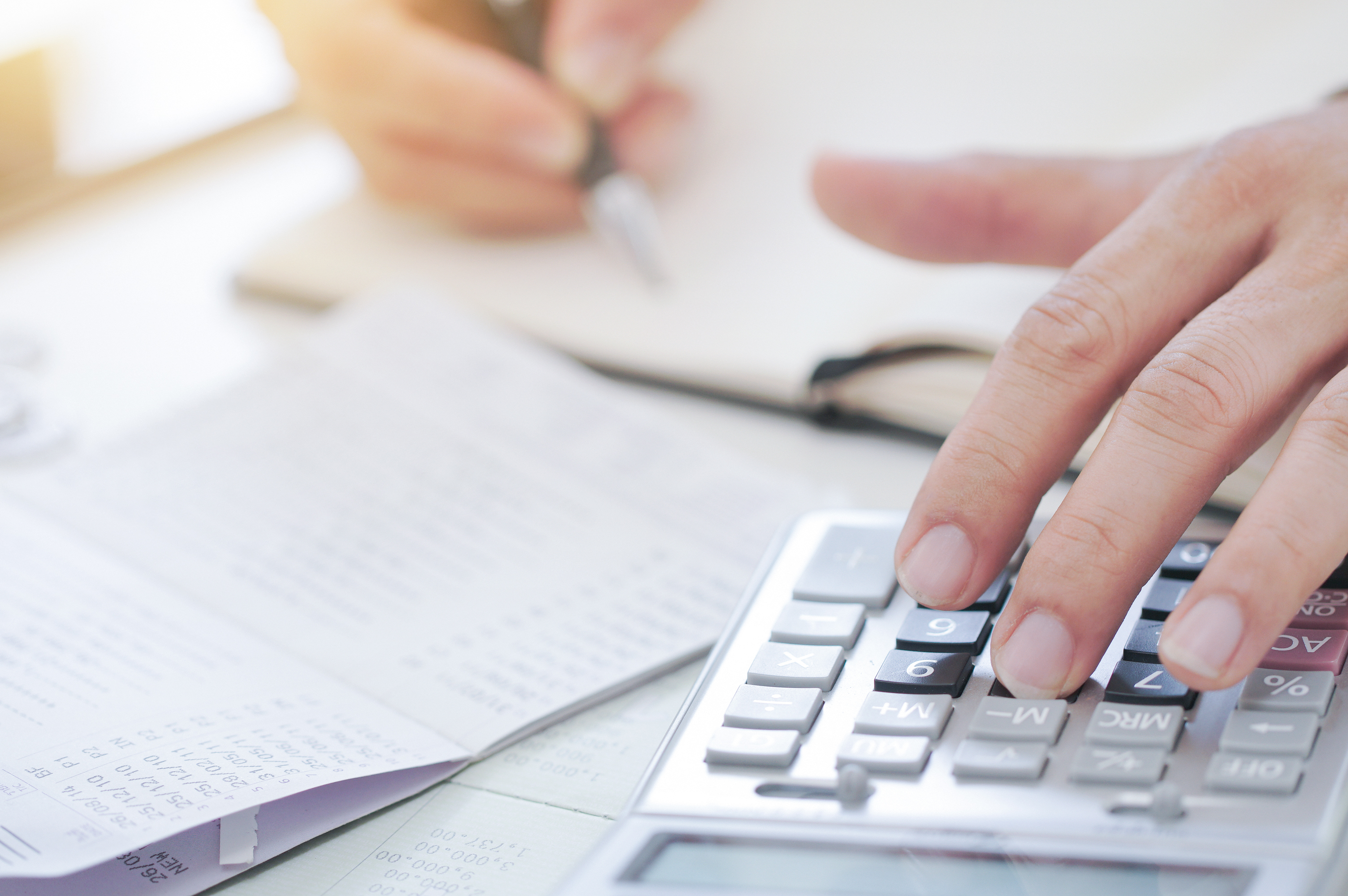 What Is The Difference Between A Bookkeeper Accounting Clerk