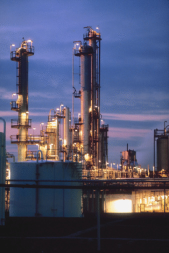 Refinery Safety Meeting Topics | Bizfluent