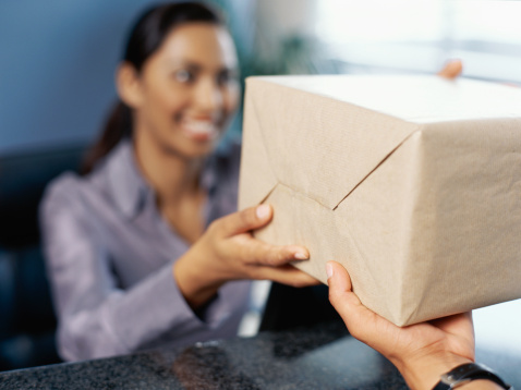 How to Get a Fedex Package Held for Pickup | Bizfluent