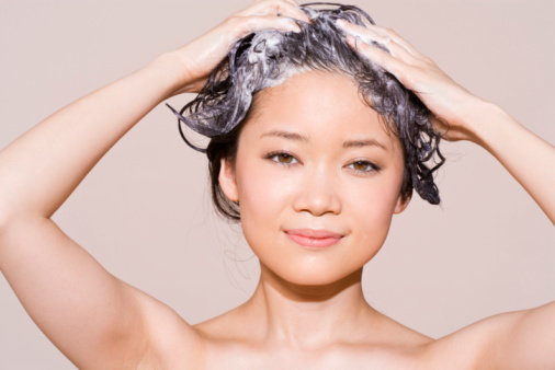 Can Vaseline Be Used for Dry Scalp?