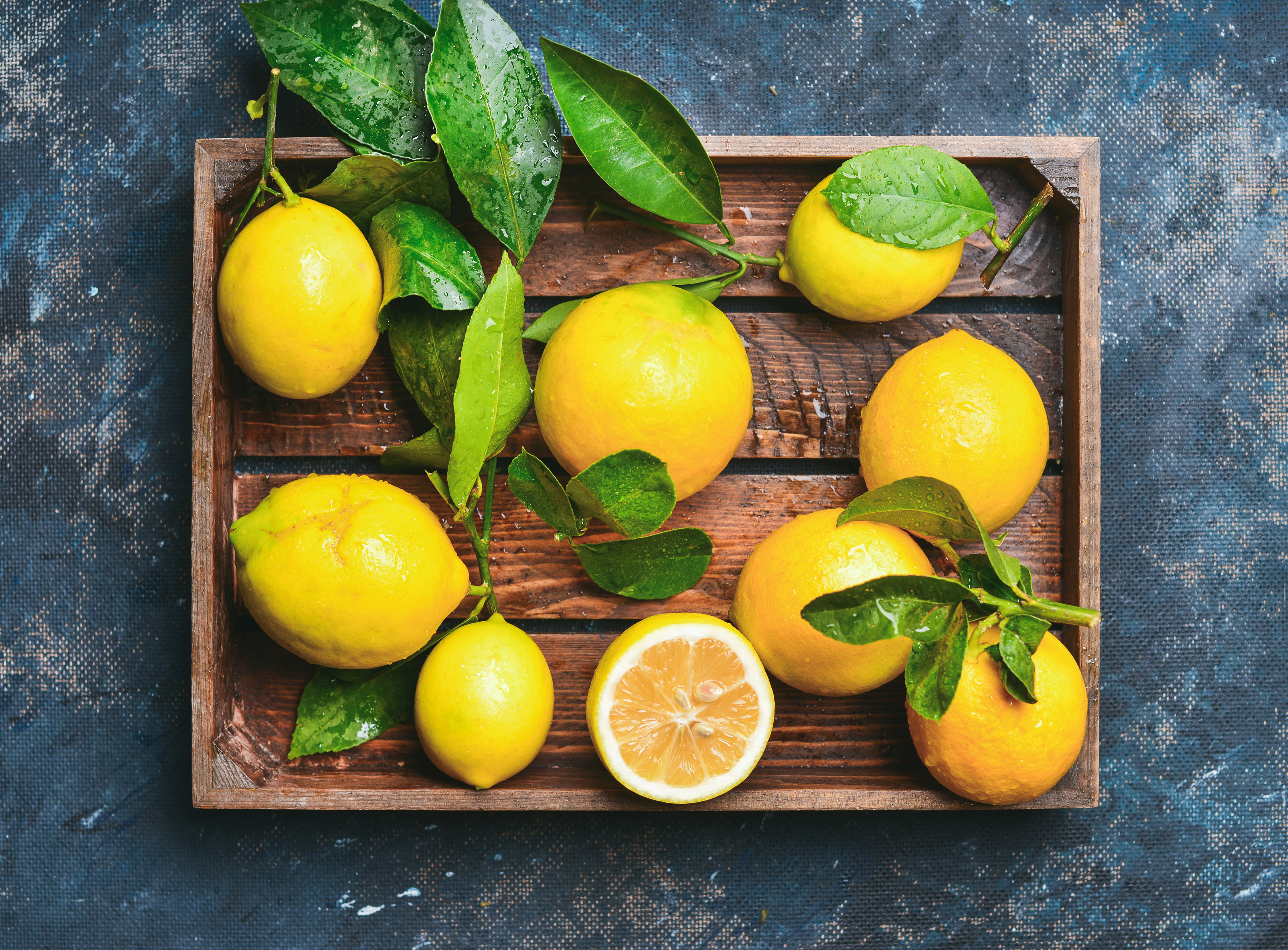 The Benefits of Squeezed Orange & Lemon for Your Health | Healthy