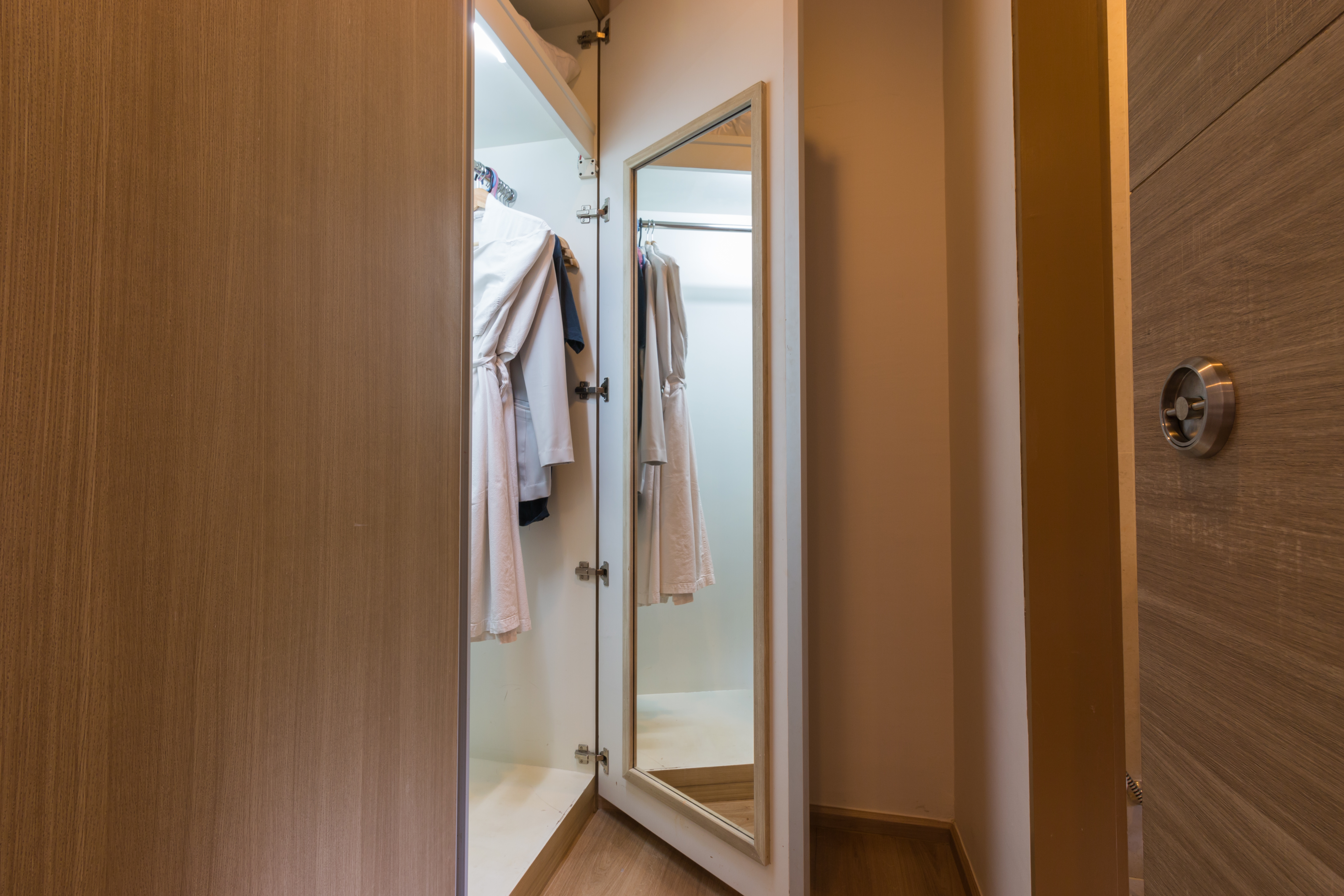 How to Adhere a Mirror on a Closet Door | Home Guides | SF Gate
