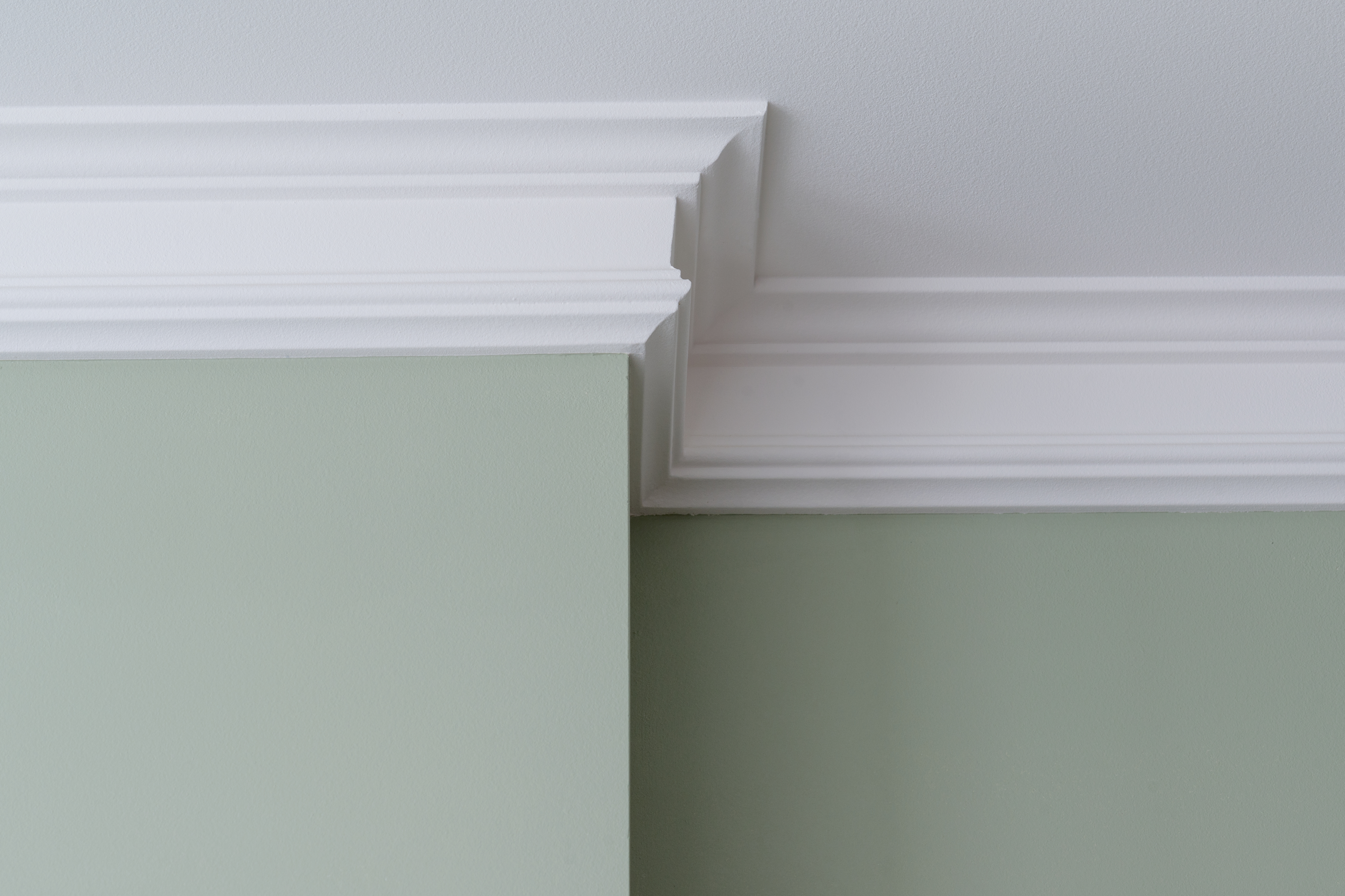 Is Crown Molding Supposed to Be the Same Color as Ceiling Paint ...