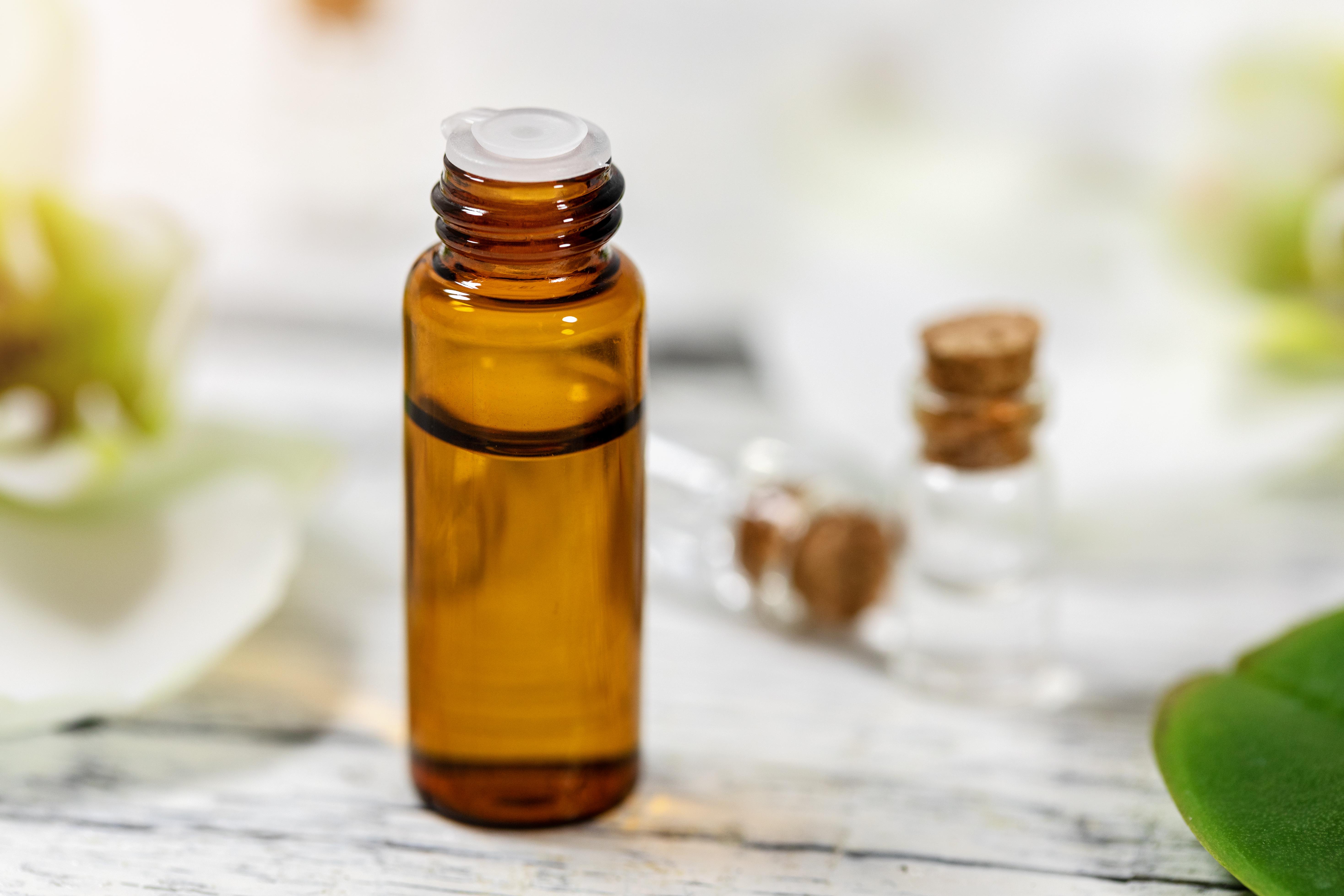 How to Apply Jojoba Oil to Facial Skin | LEAFtv