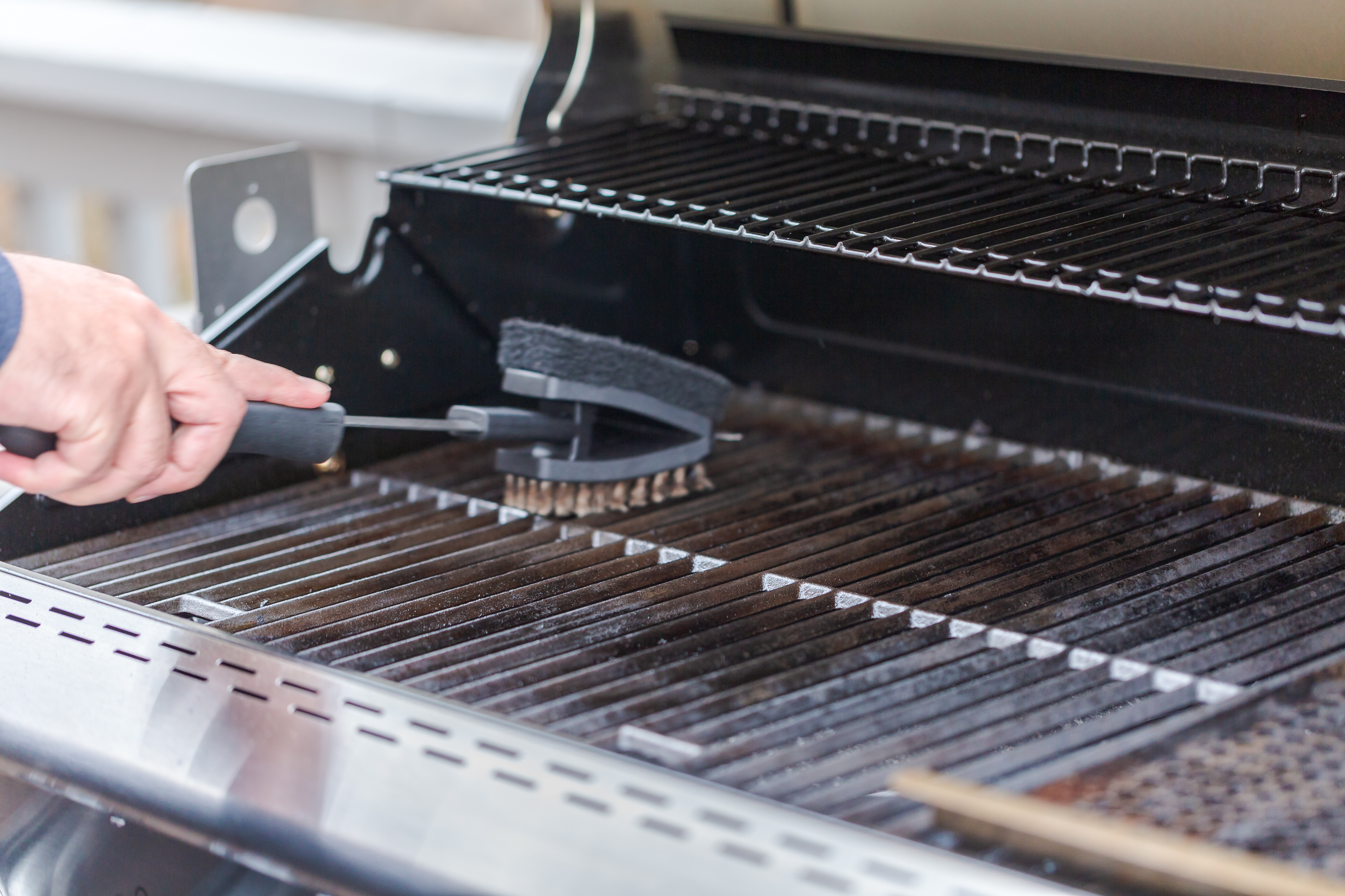 How To Clean Grill Grates With Oven Cleaner Home Guides Sf Gate