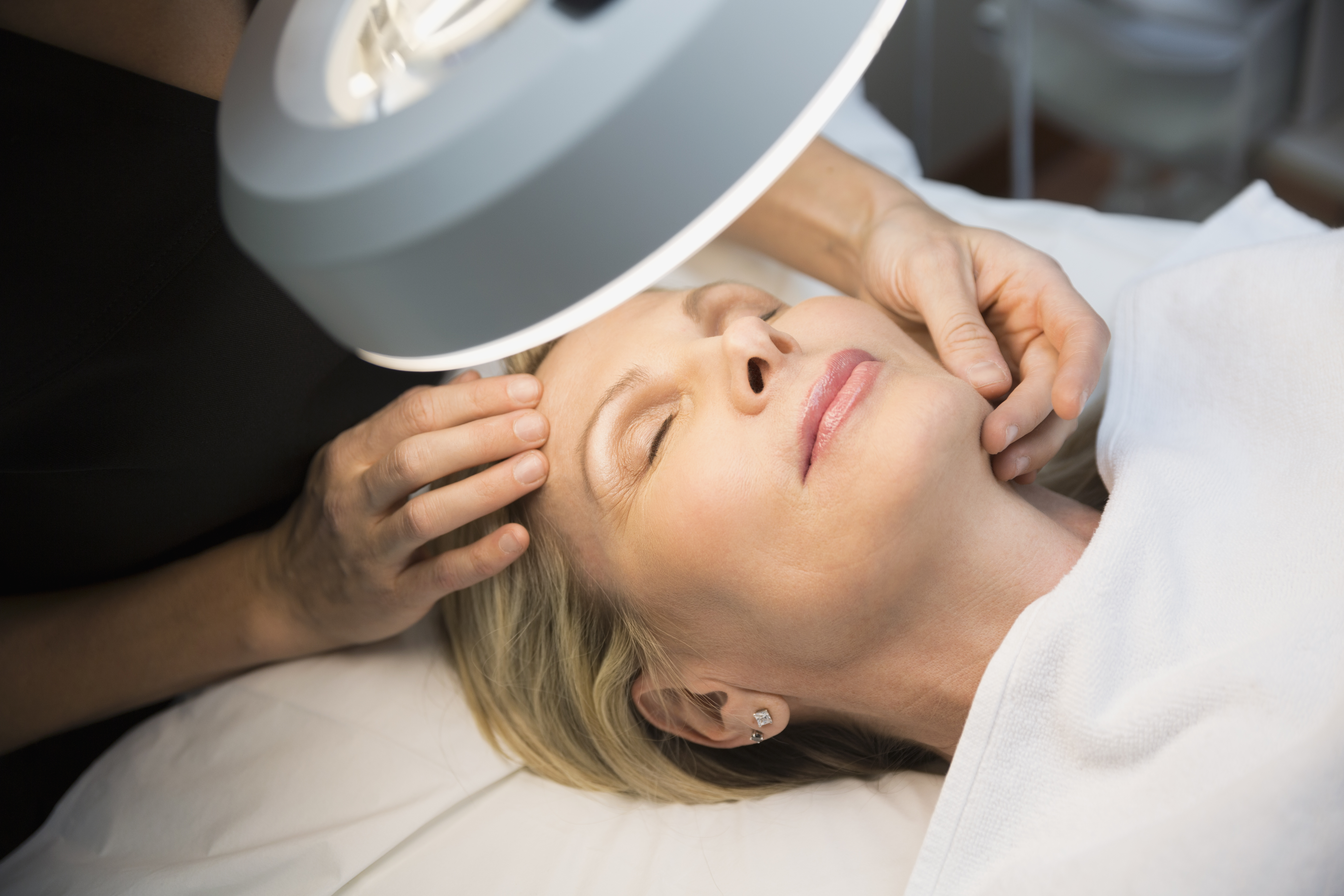 What Are the Duties of Medical Estheticians in a Plastic