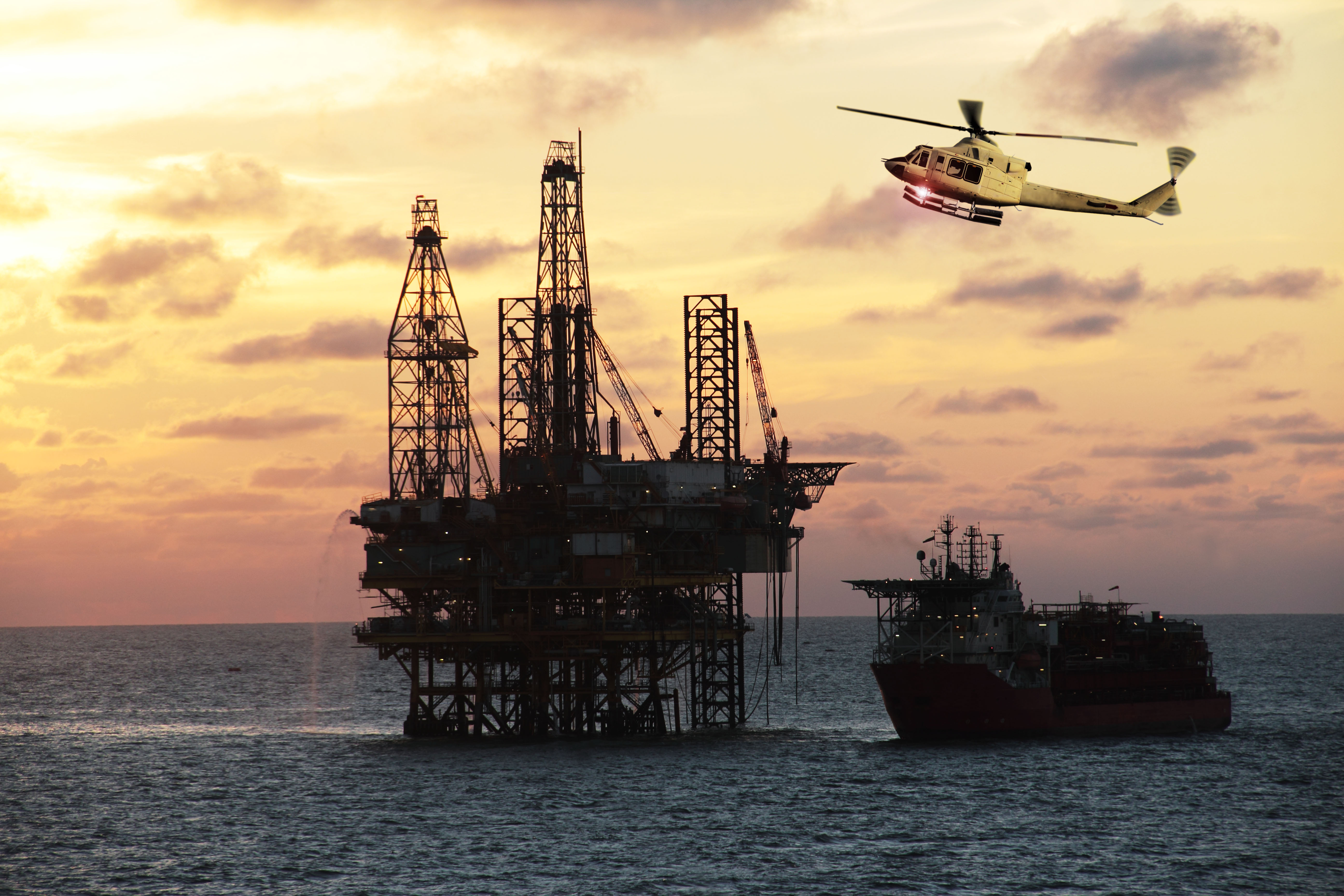 The Yearly Salary for an Oil Rig Helicopter Pilot | Career Trend