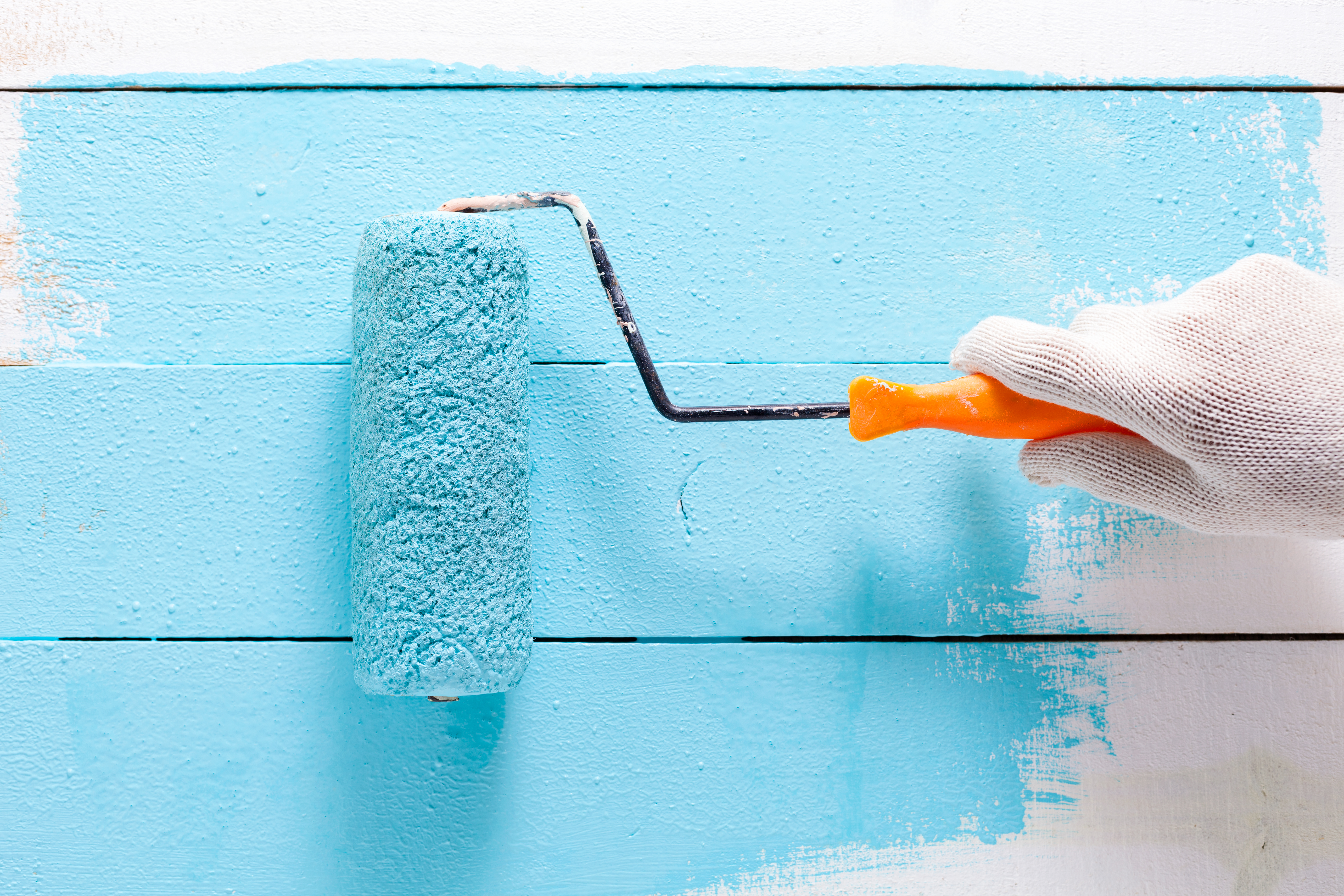 Tips on Evenly Mixing Glitter in Wall Paint | Home Guides