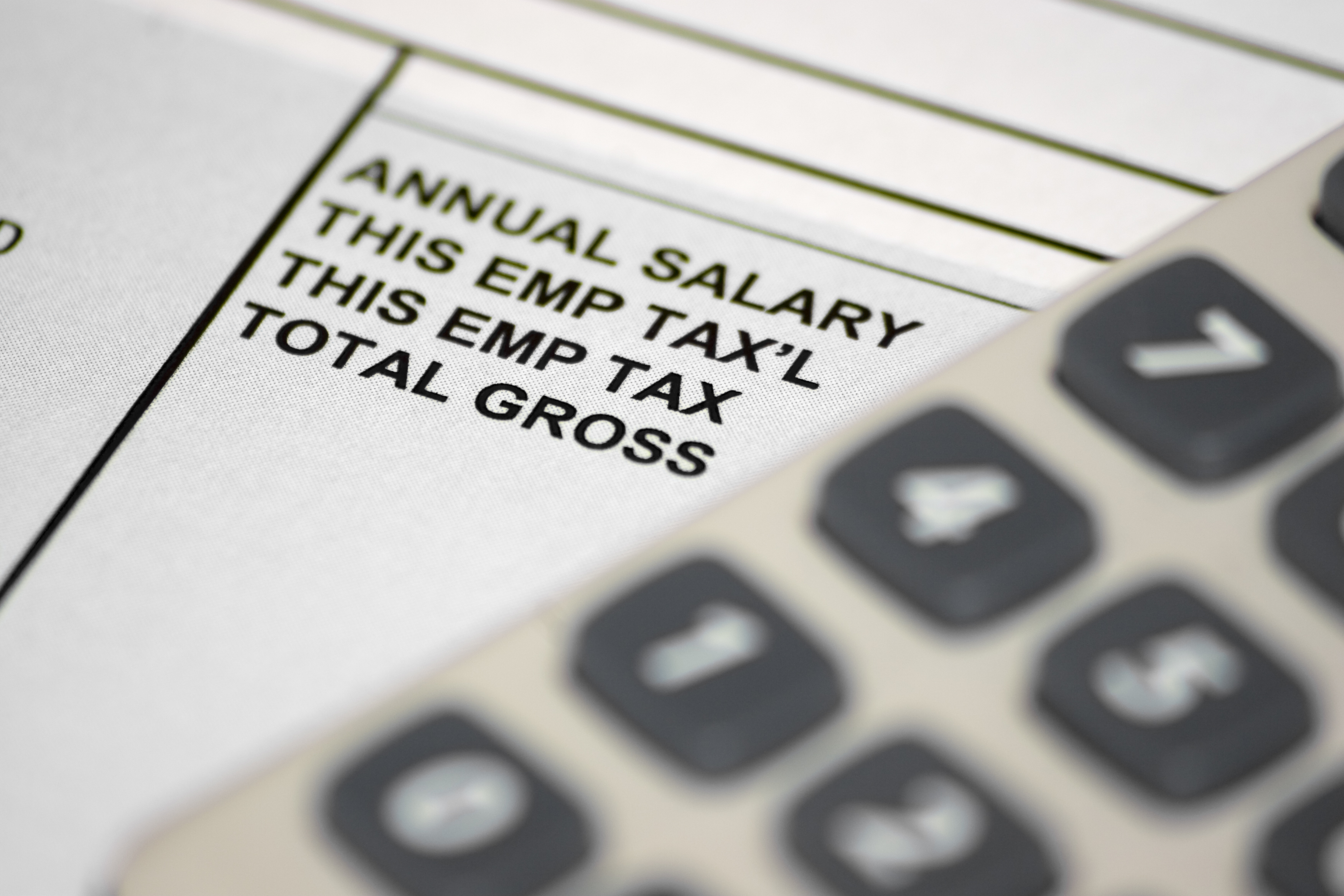What Taxes Are Taken Out of a Paycheck in Illinois?