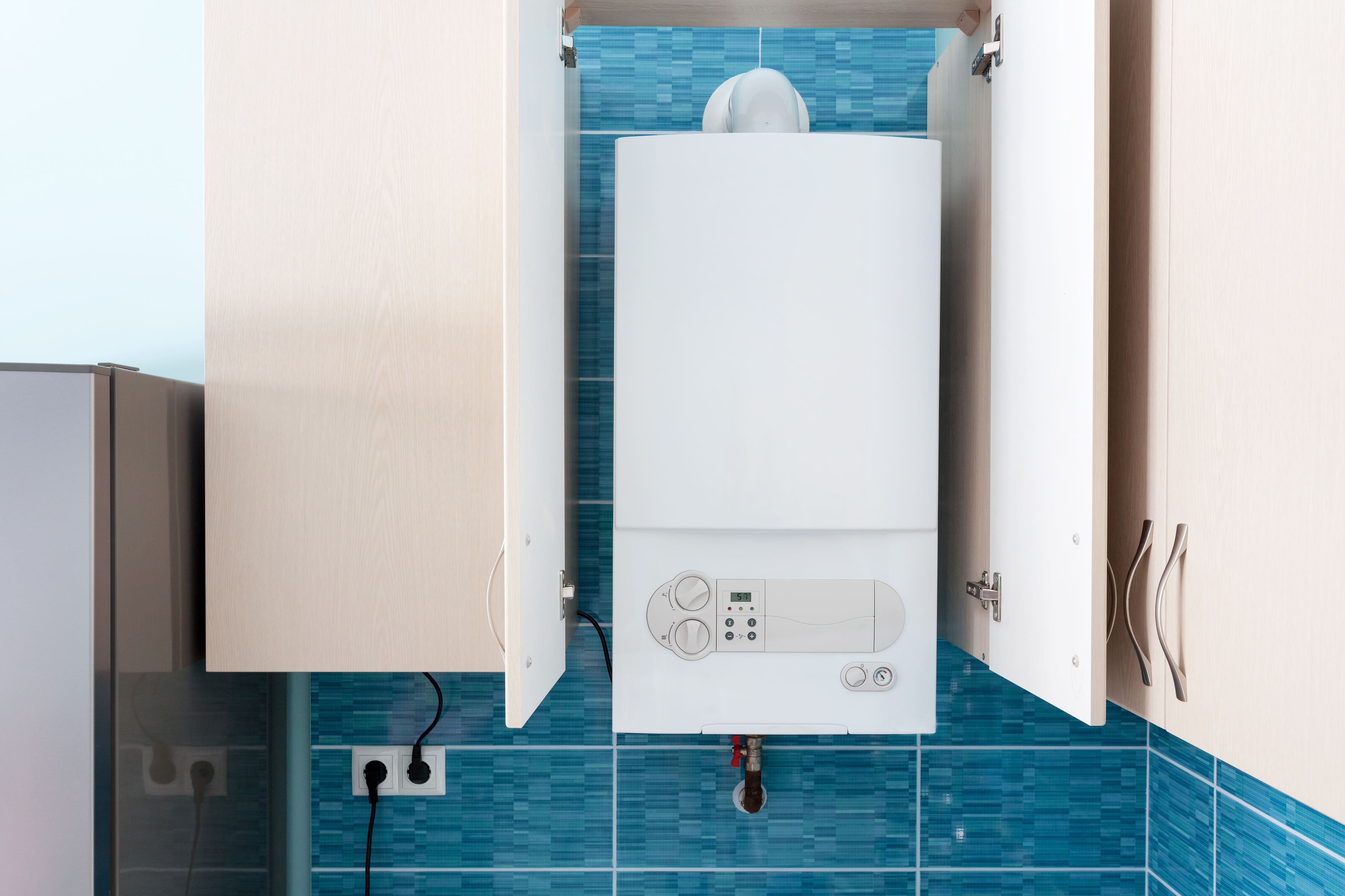 How to Stop Noise Coming From a Home Hot Water Tank | Home