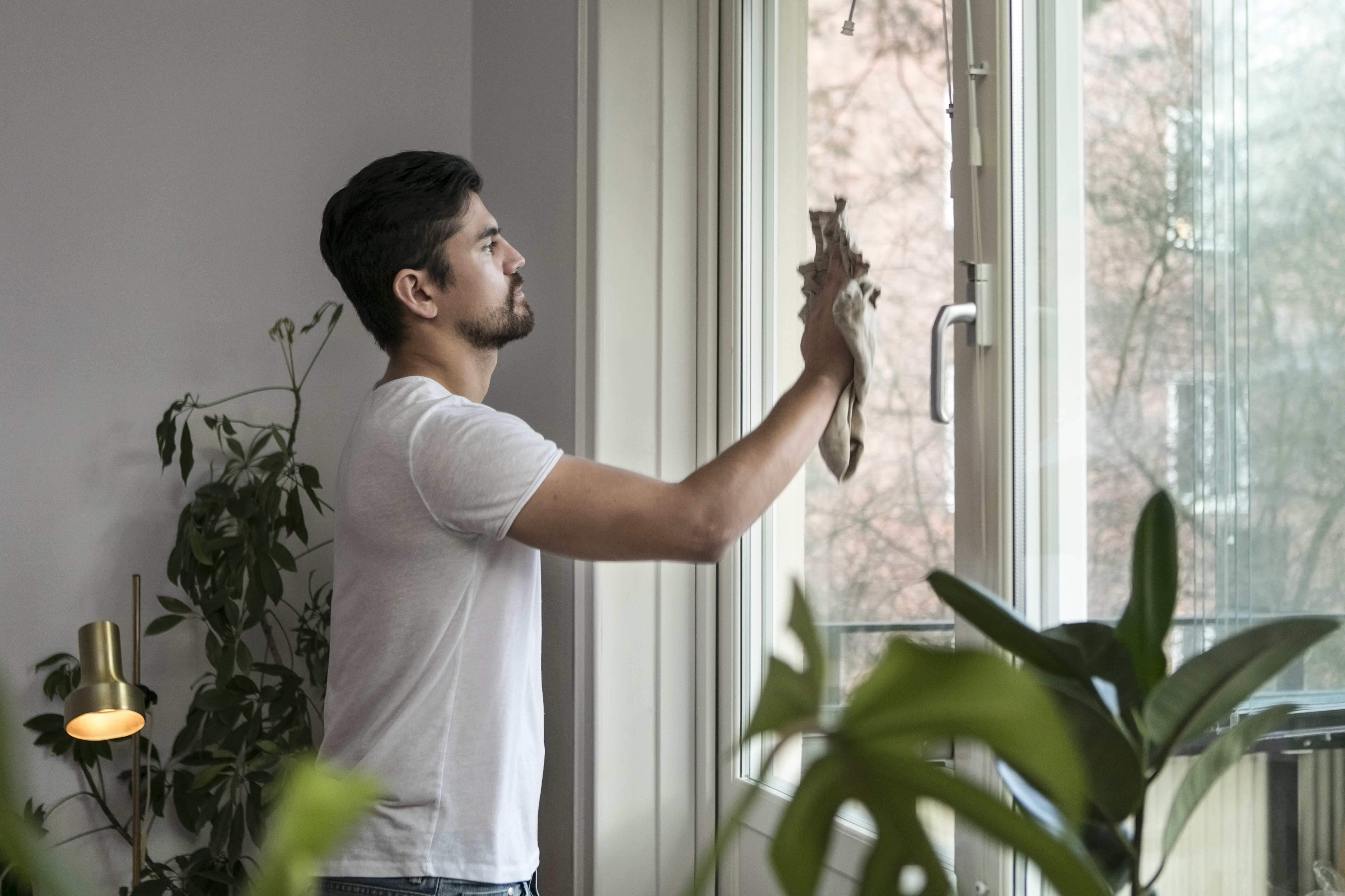 How to Remove Concrete Splatter From Windows | Home Guides