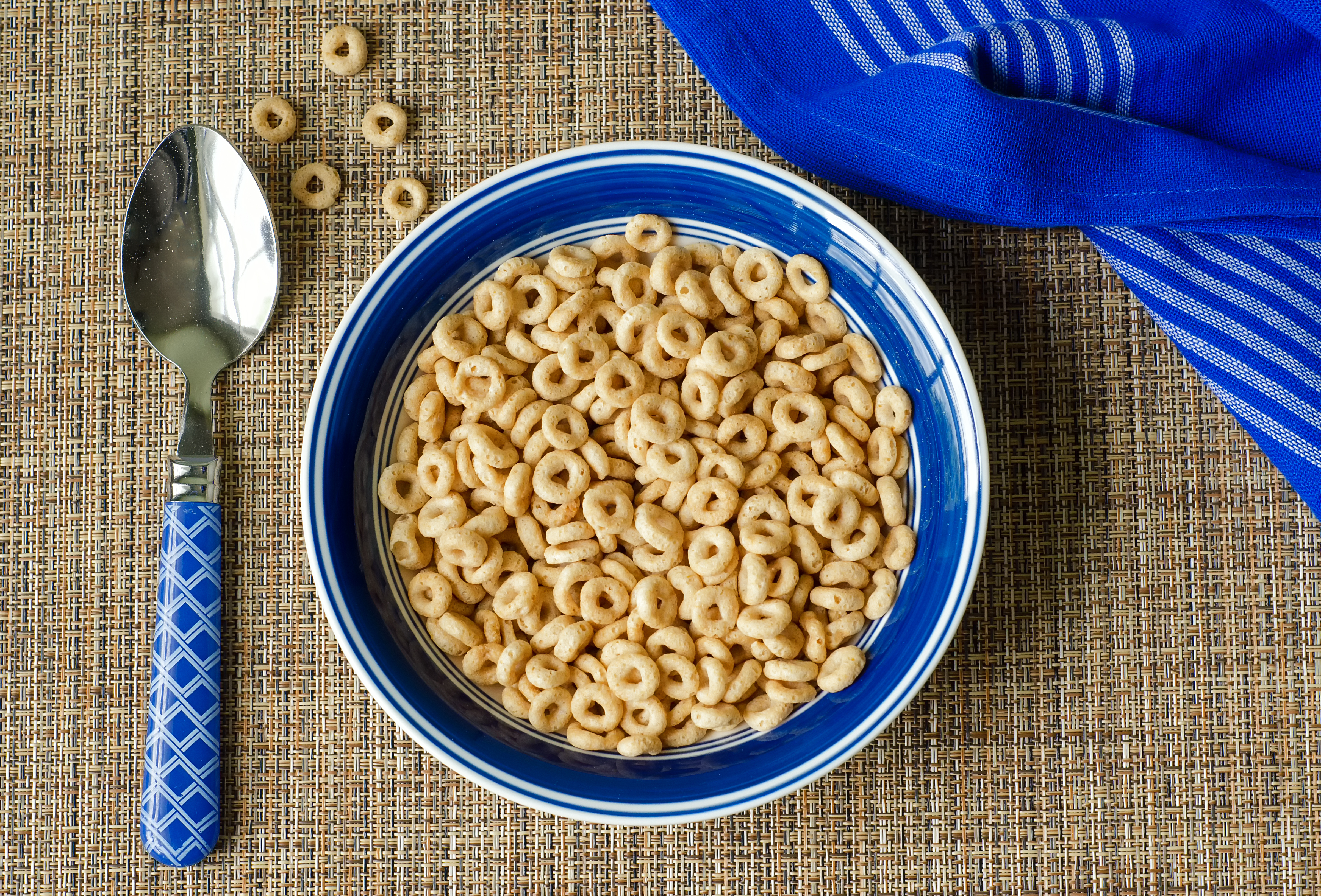are cheerios healthy? | livestrong